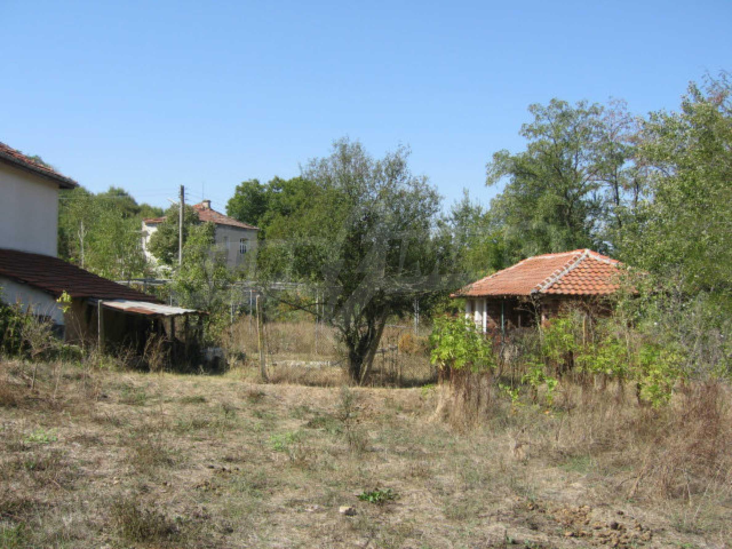 Renovated two-storey house with garden near Elhovo 27