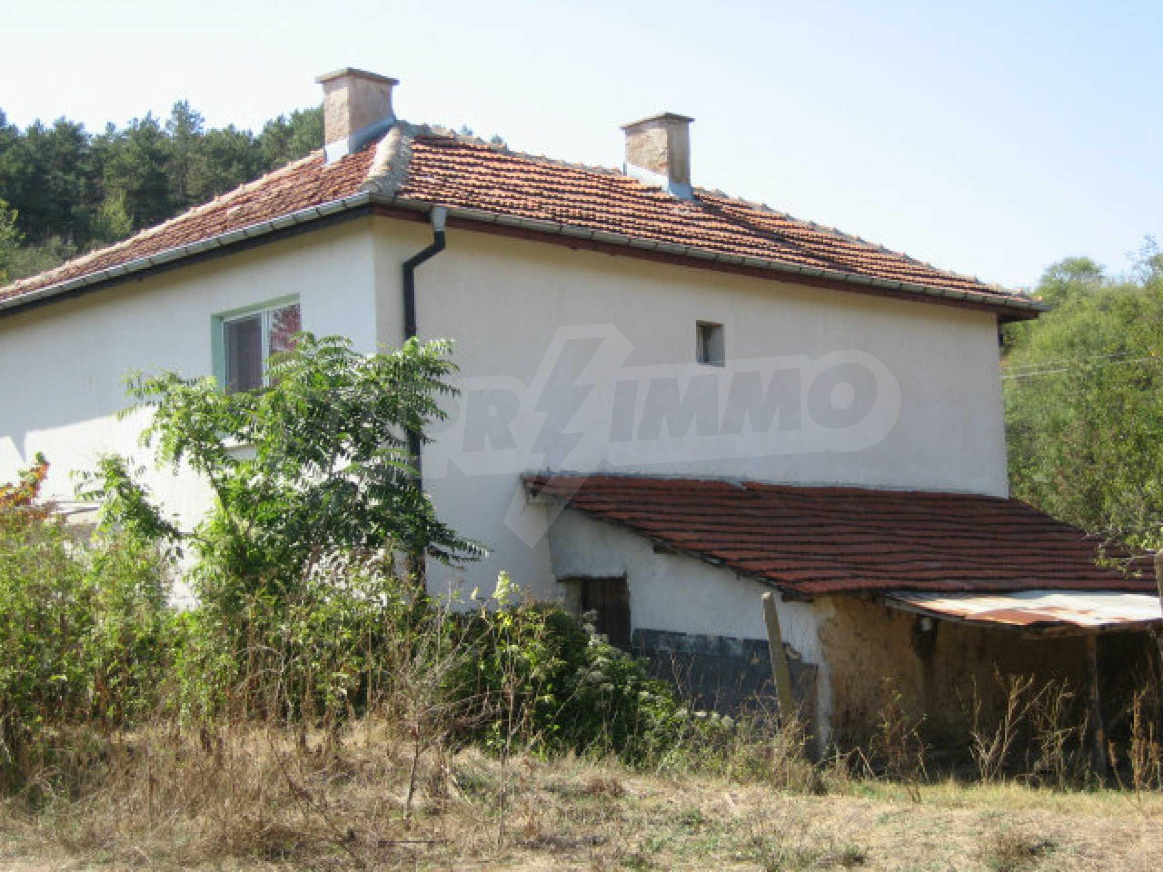 Renovated two-storey house with garden near Elhovo 28