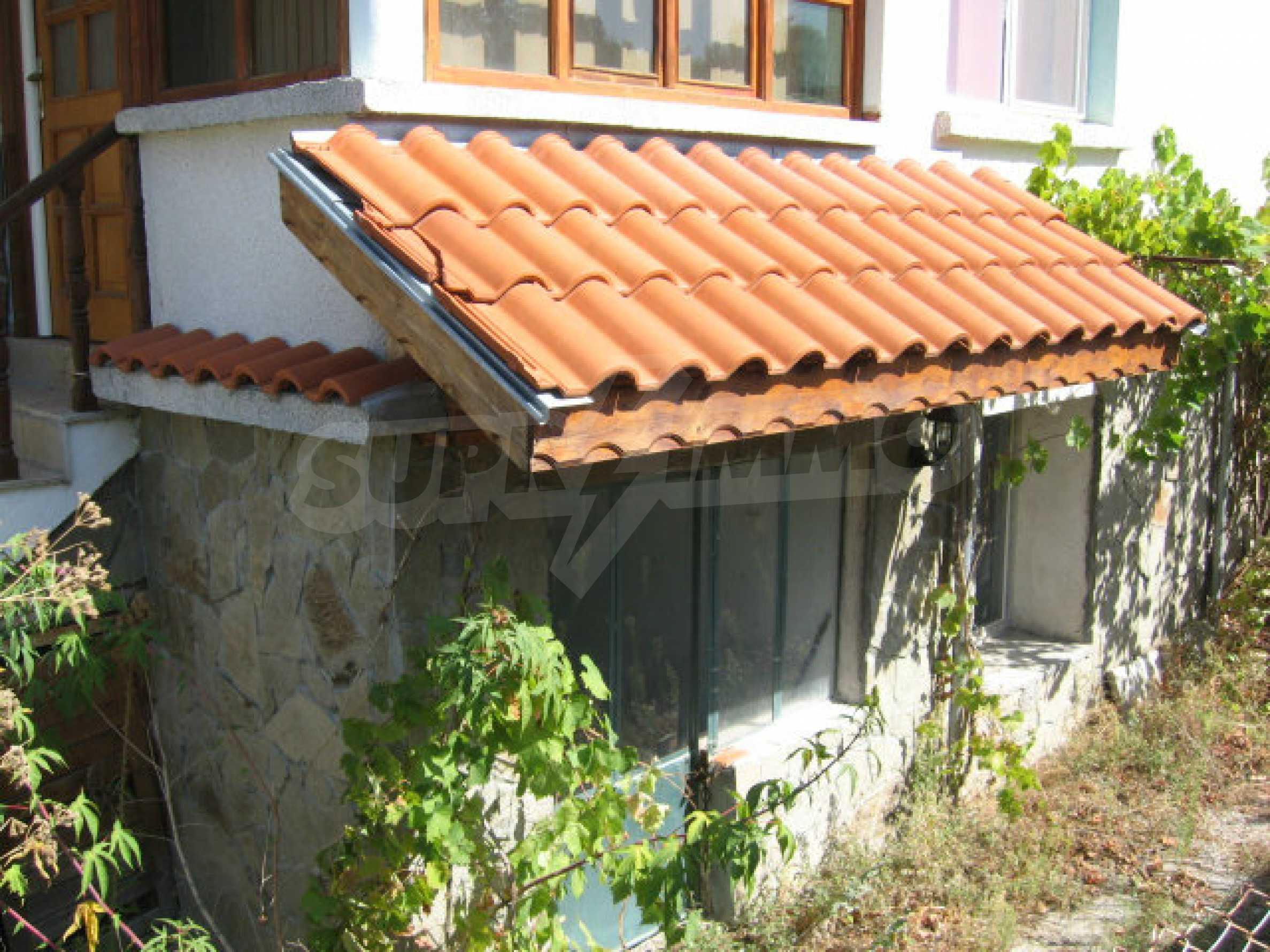 Renovated two-storey house with garden near Elhovo 2
