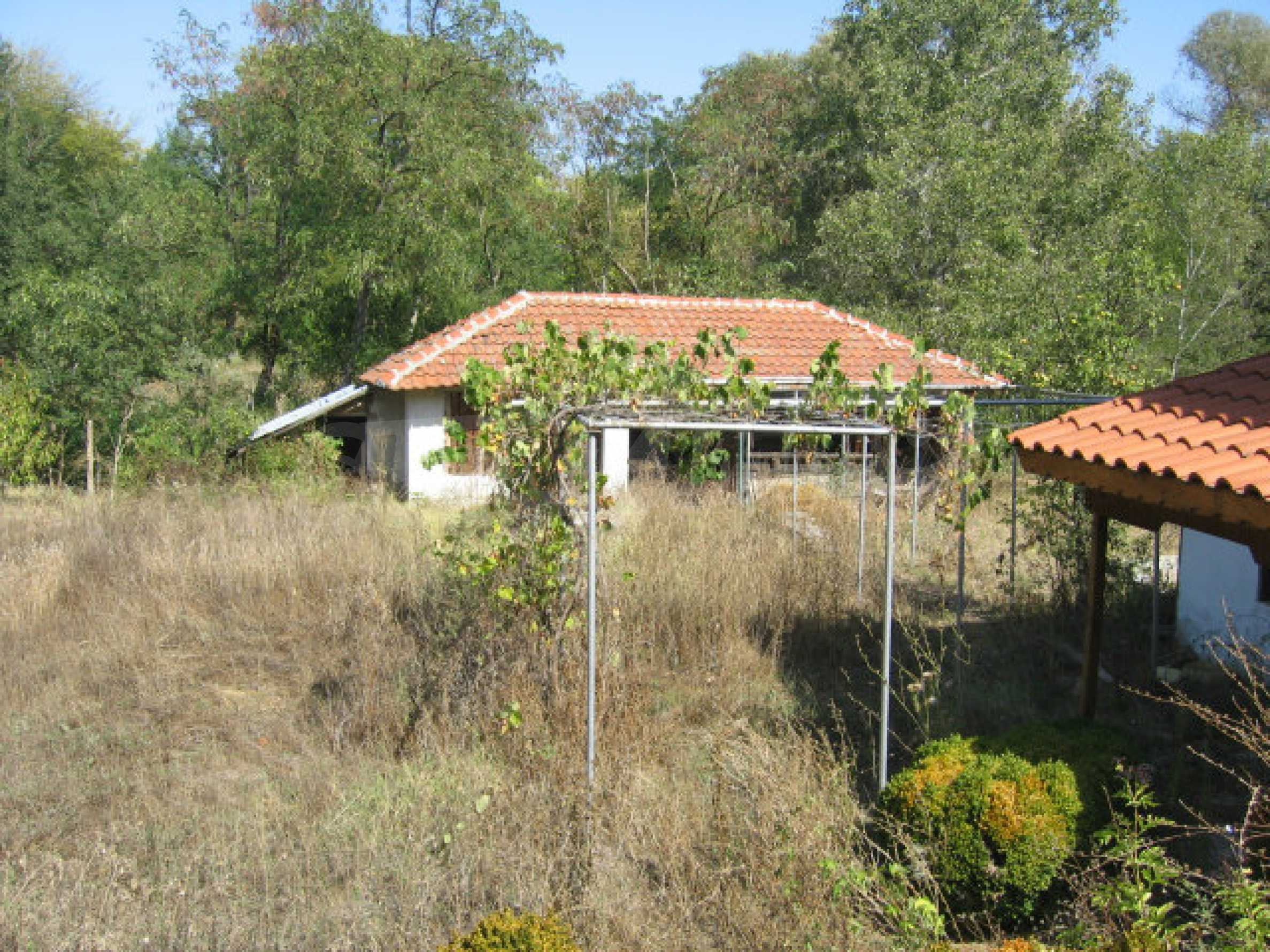 Renovated two-storey house with garden near Elhovo 30