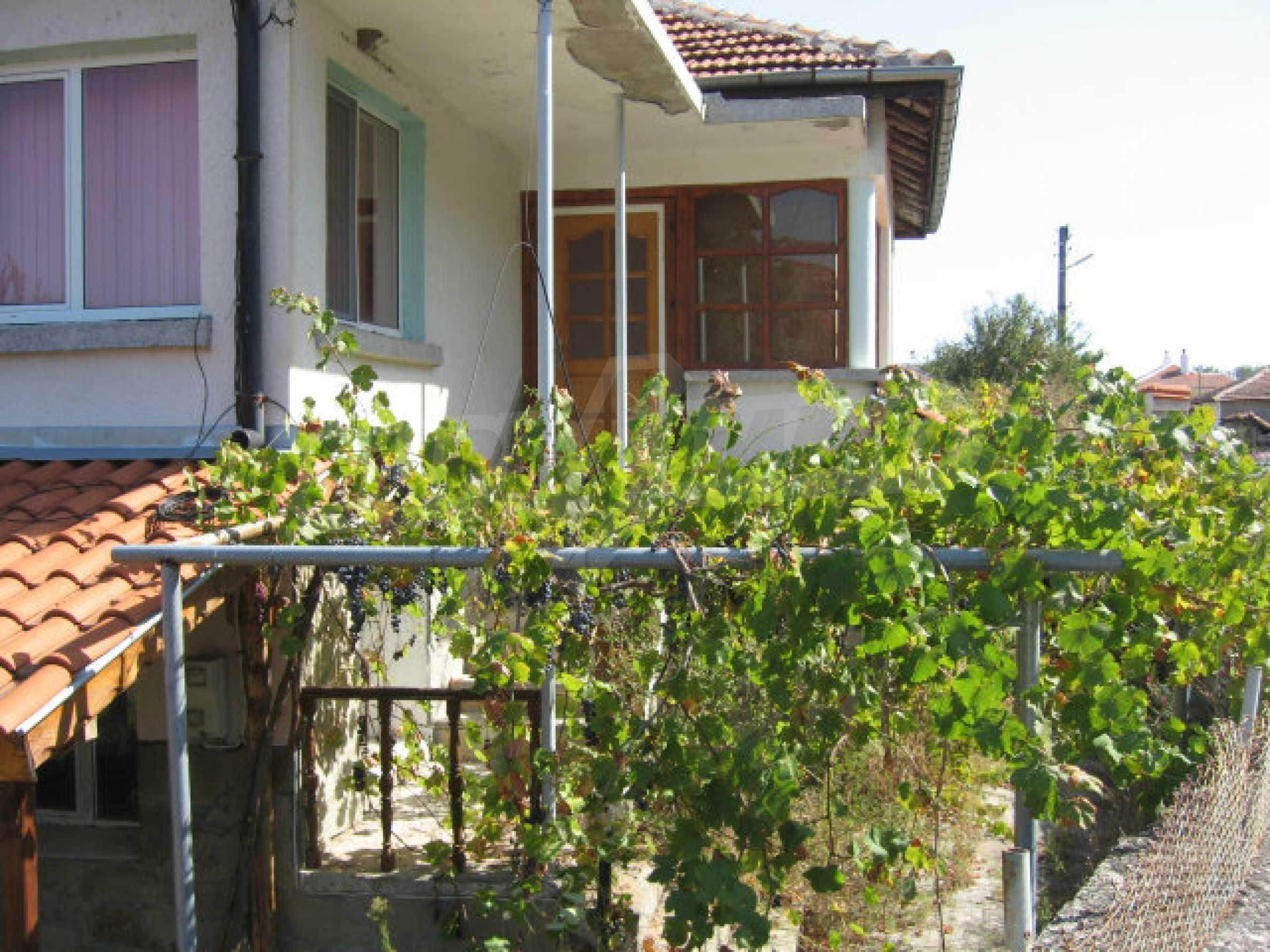 Renovated two-storey house with garden near Elhovo 33