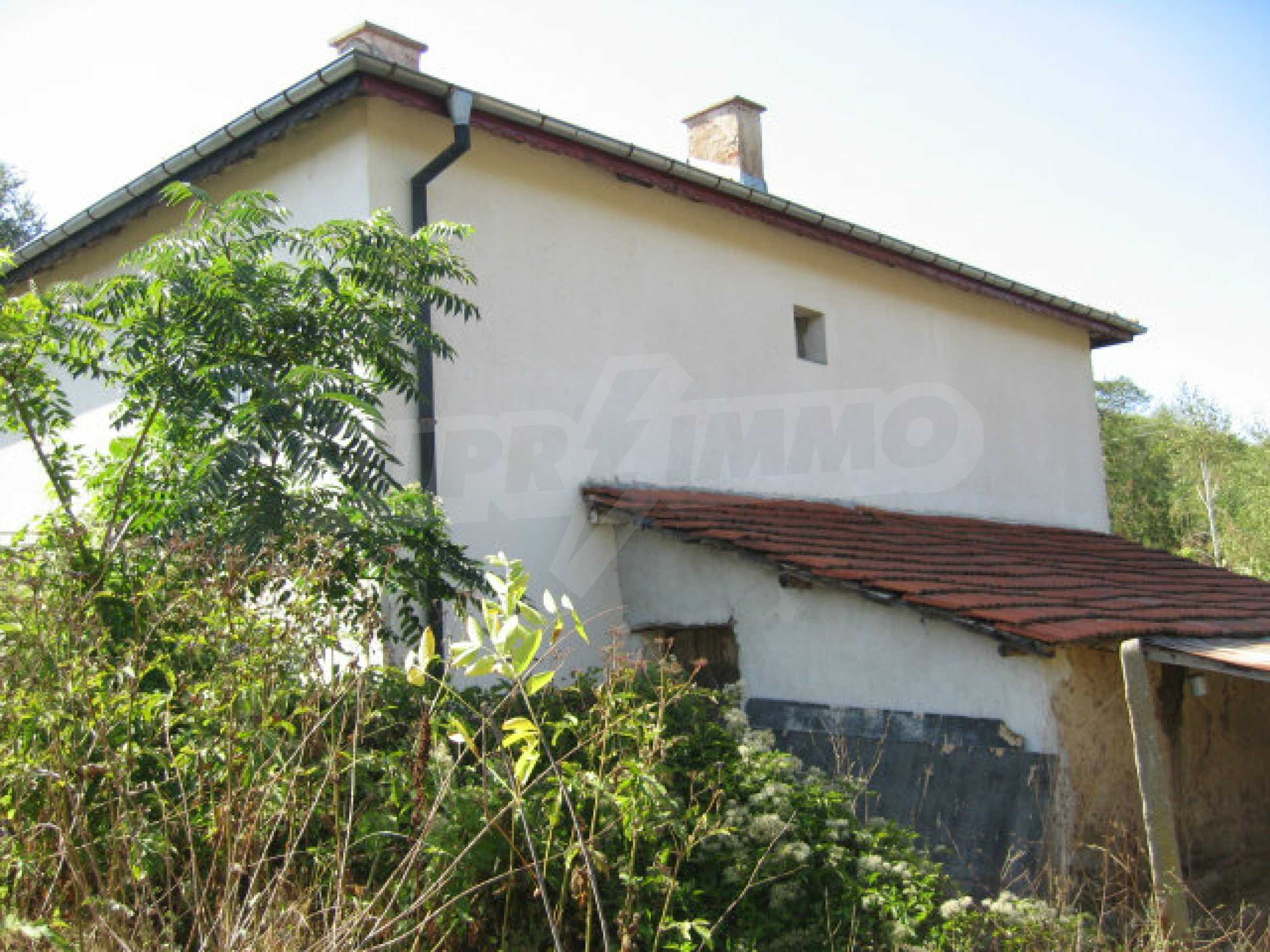 Renovated two-storey house with garden near Elhovo 3