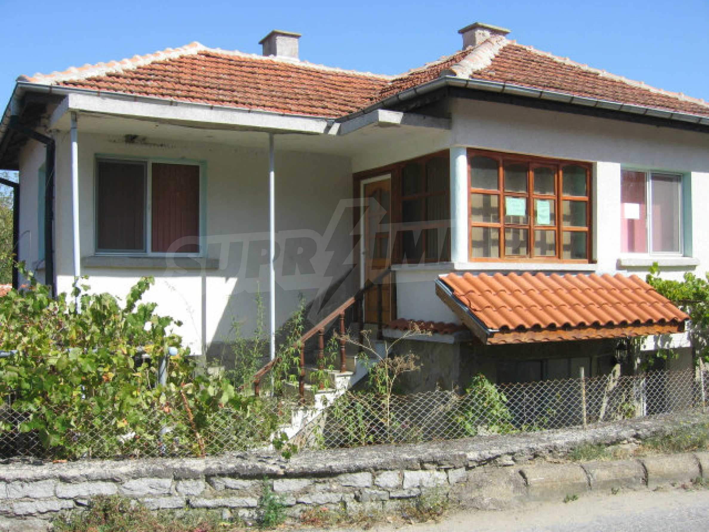 Renovated two-storey house with garden near Elhovo 40