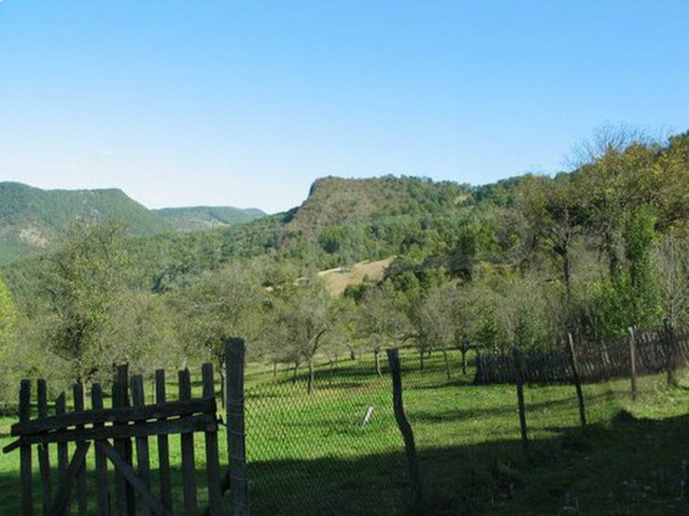 Spacious plot of land in Teteven 29