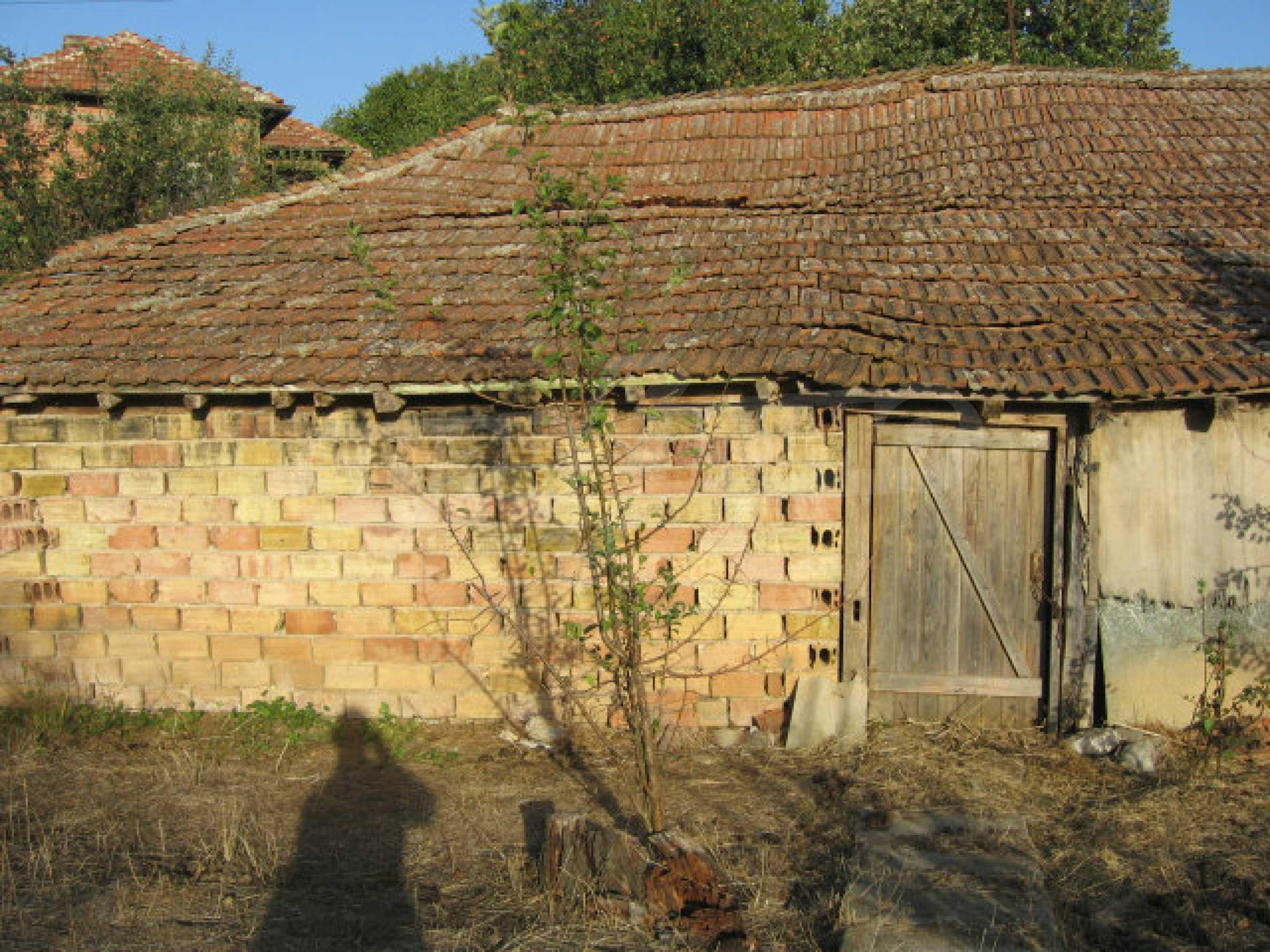 Sonniges zweistöckiges Haus in einem kleinen Dorf in der Nähe der Flüsse Tundzha und Elhovo 26