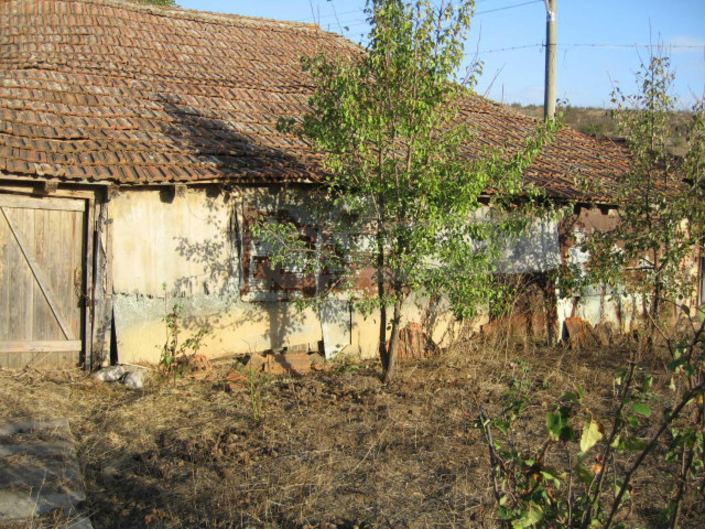 Sonniges zweistöckiges Haus in einem kleinen Dorf in der Nähe der Flüsse Tundzha und Elhovo 27