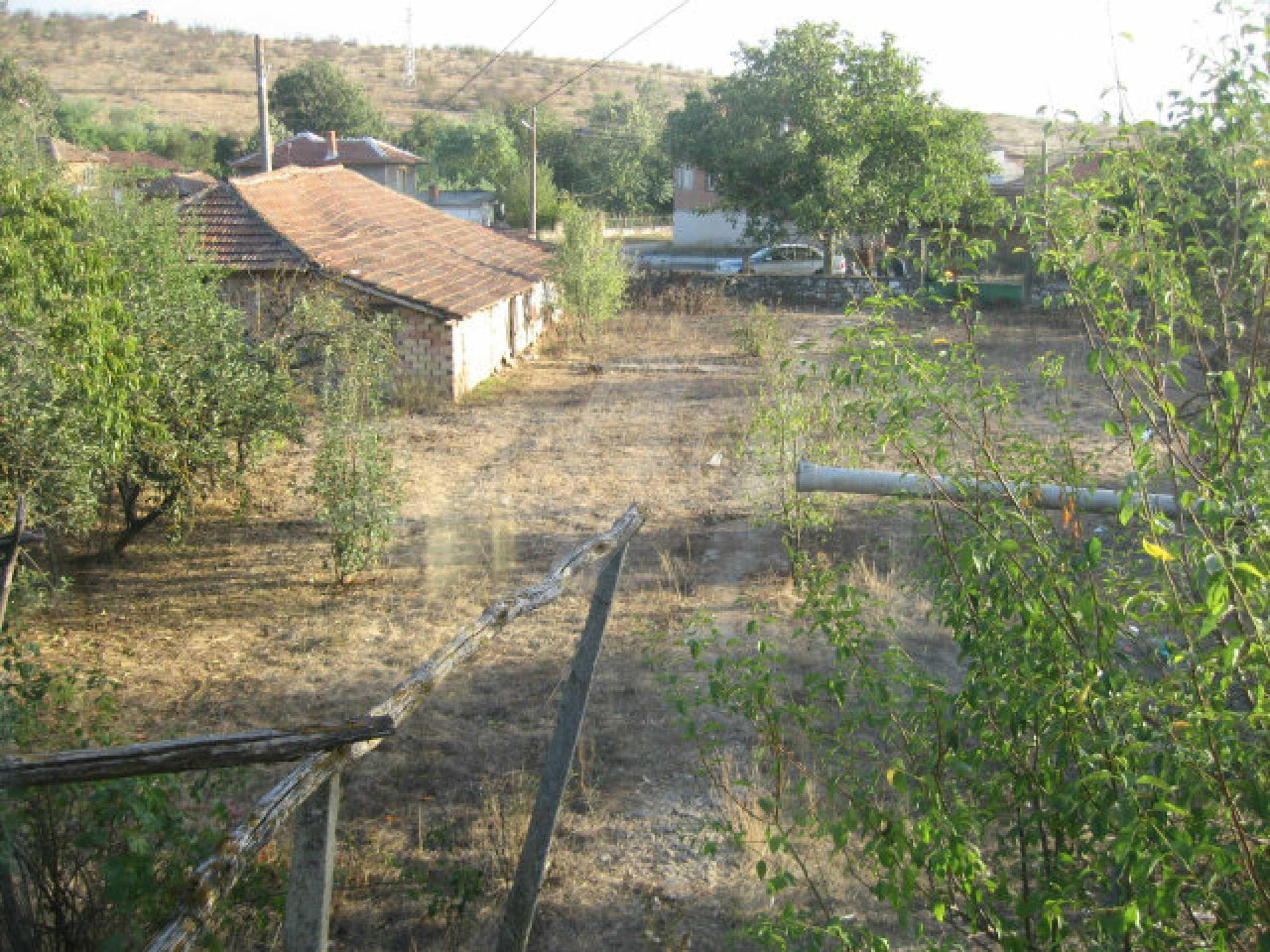 Sonniges zweistöckiges Haus in einem kleinen Dorf in der Nähe der Flüsse Tundzha und Elhovo 28
