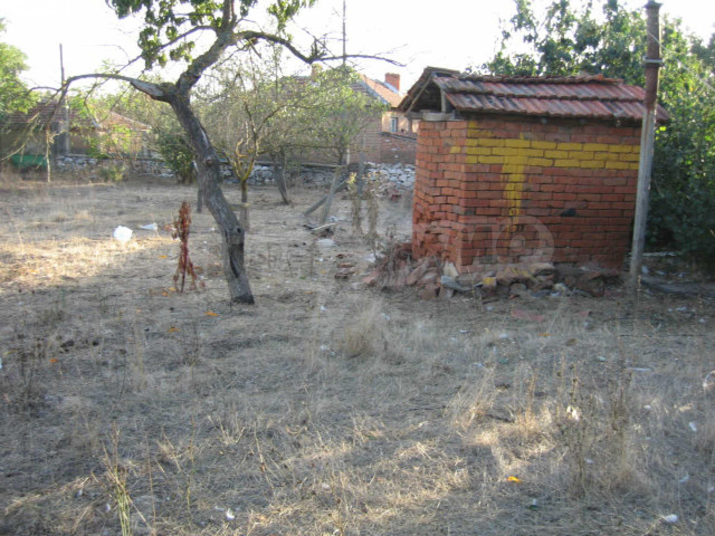 Sonniges zweistöckiges Haus in einem kleinen Dorf in der Nähe der Flüsse Tundzha und Elhovo 30