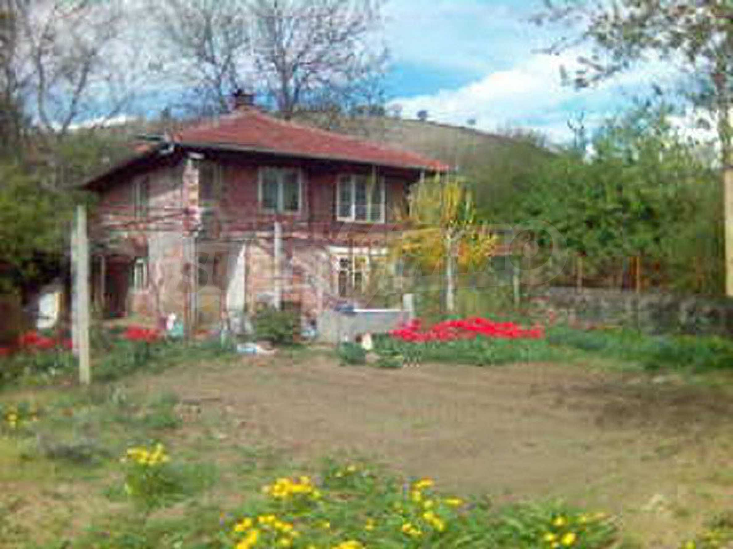 A house in a well developed village between the towns Lovech and Troyan 9