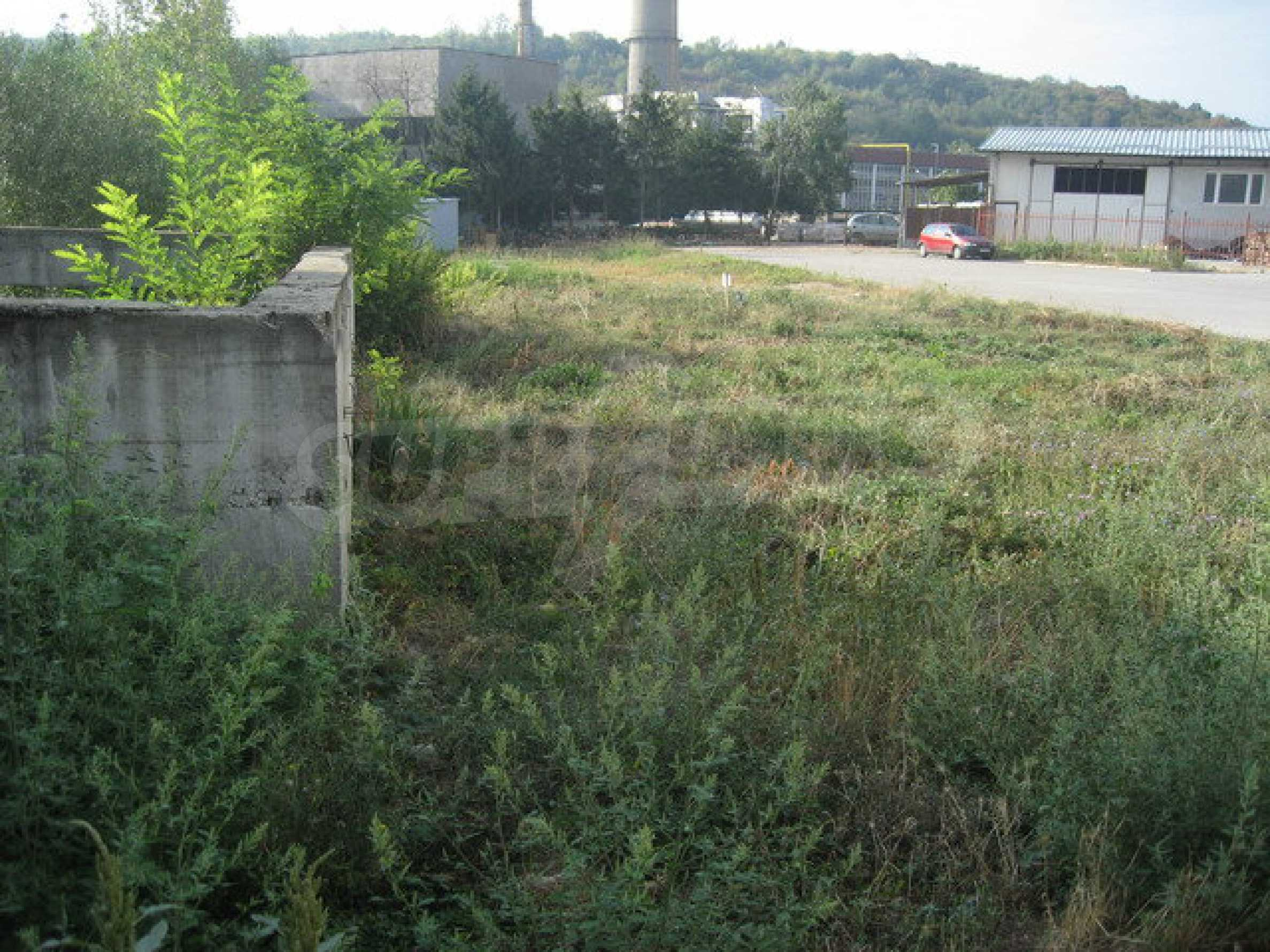 Plot of land with building in Veliko Tarnovo 12