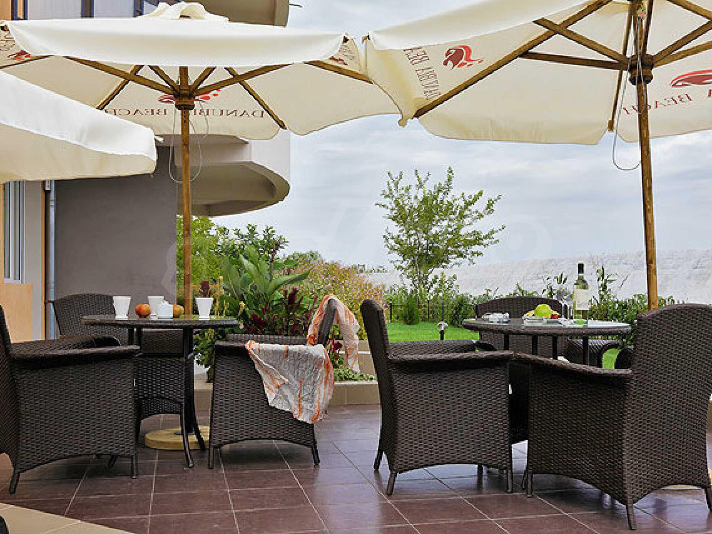 Café-Bar mit ausgestatteter Küche in Danubia Beach neben Widin und Fluss Donau 16