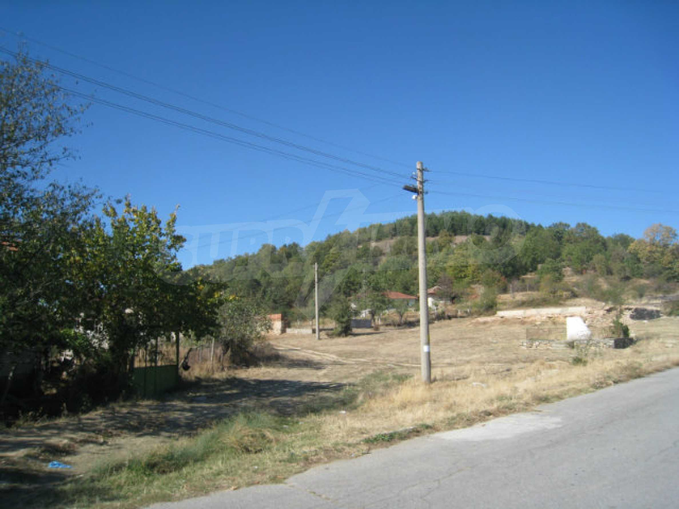23 regulierte Nachbargrundstücke auf einer Asphaltstraße in der Gemeinde Ihtiman 50