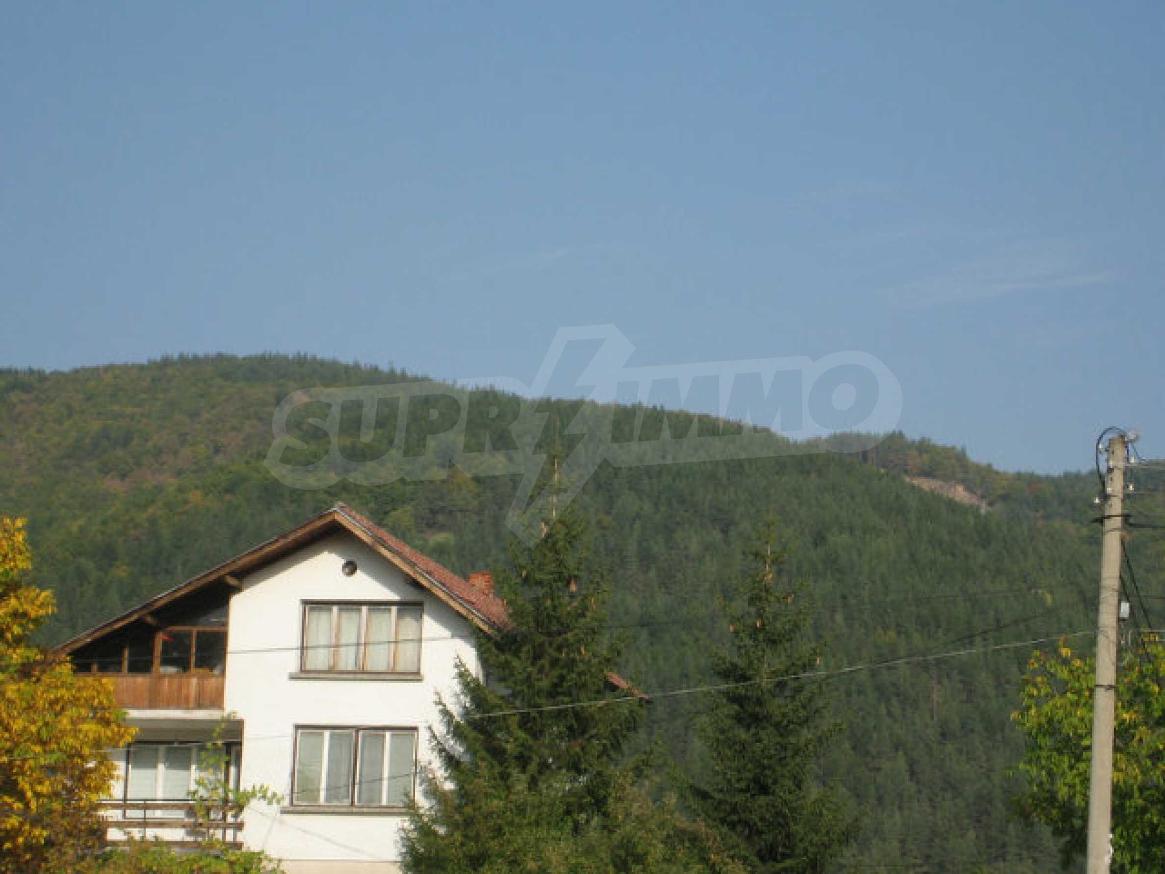 Reguliertes Grundstück im Zentrum eines malerischen Dorfes in der Nähe von Pernik und Sofia 15