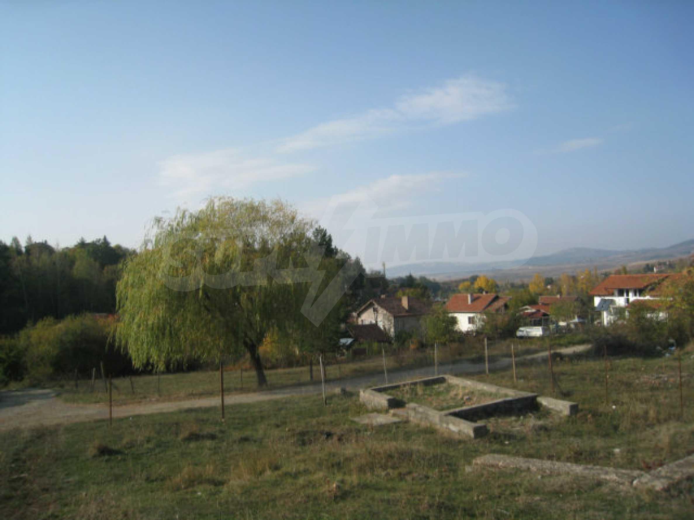 Reguliertes Grundstück im Zentrum eines malerischen Dorfes in der Nähe von Pernik und Sofia 20