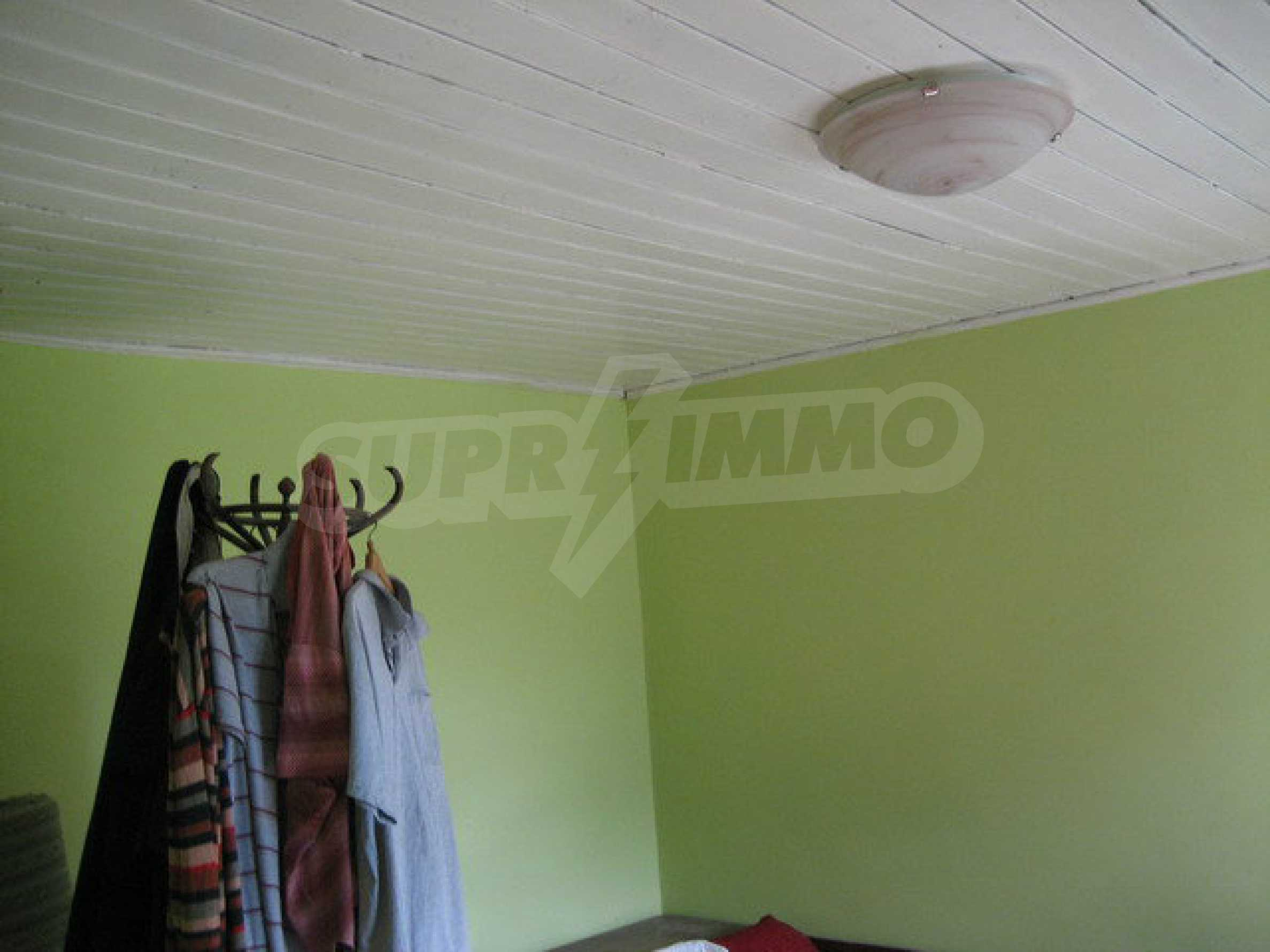 Habitable house with yard in picturesque area near Veliko Tarnovo 15