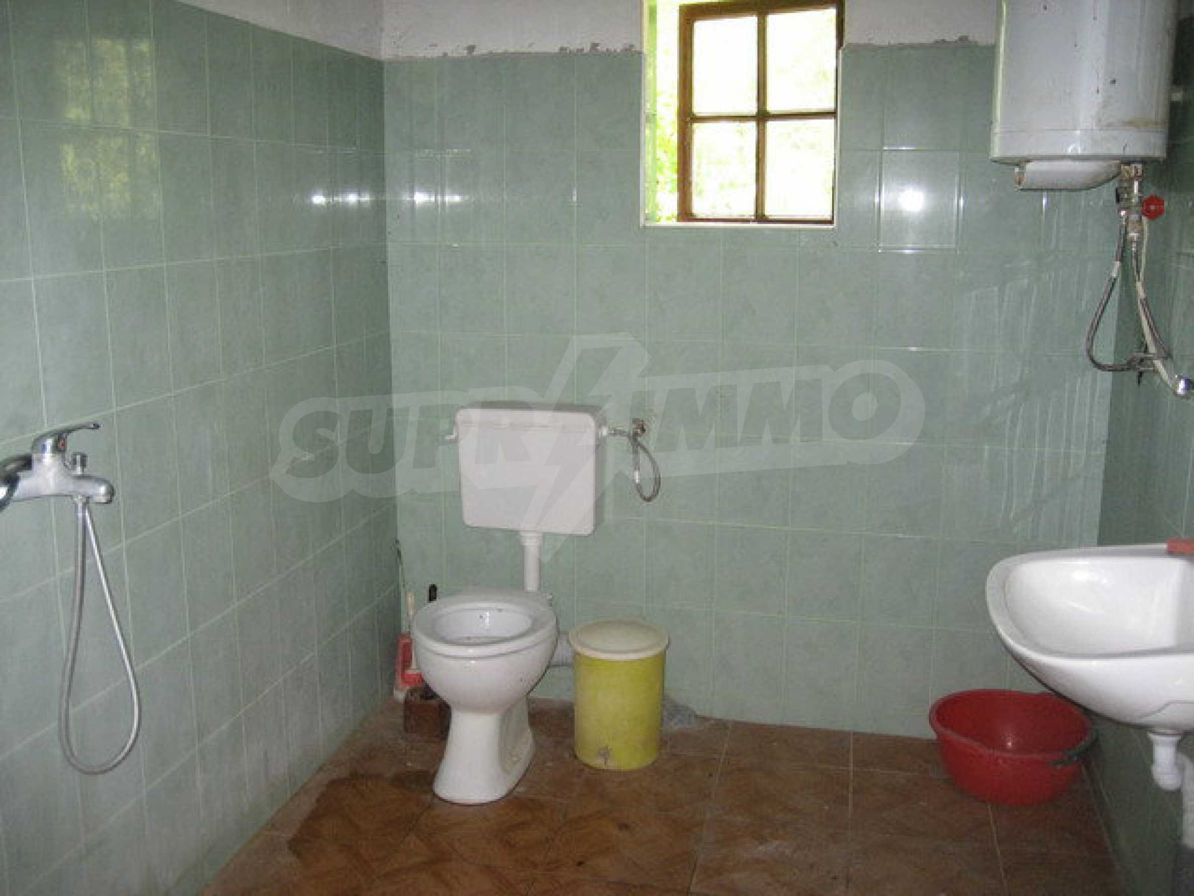 Habitable house with yard in picturesque area near Veliko Tarnovo 20