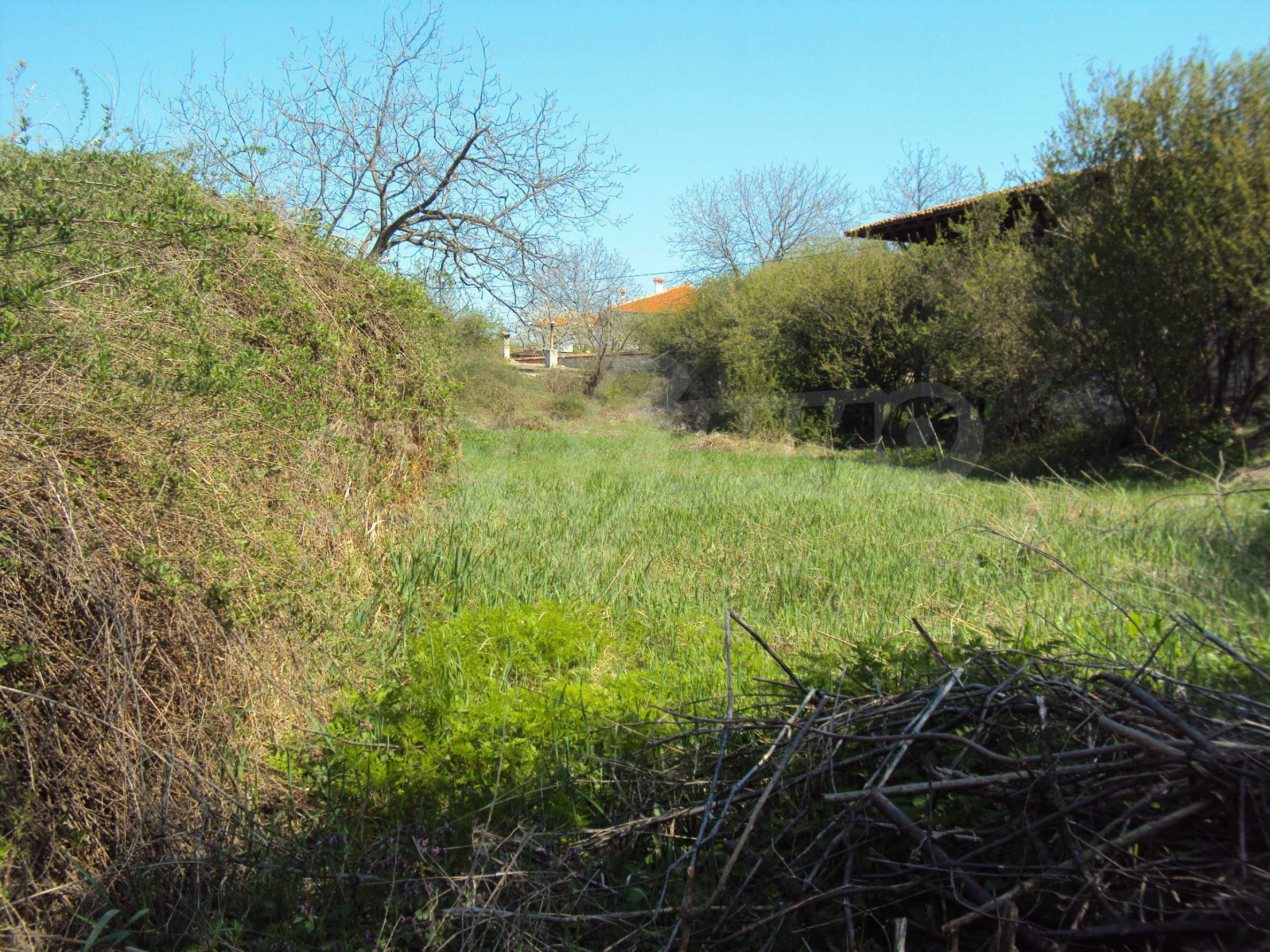 Geregeltes Grundstück im Dorf Arbanasi 4