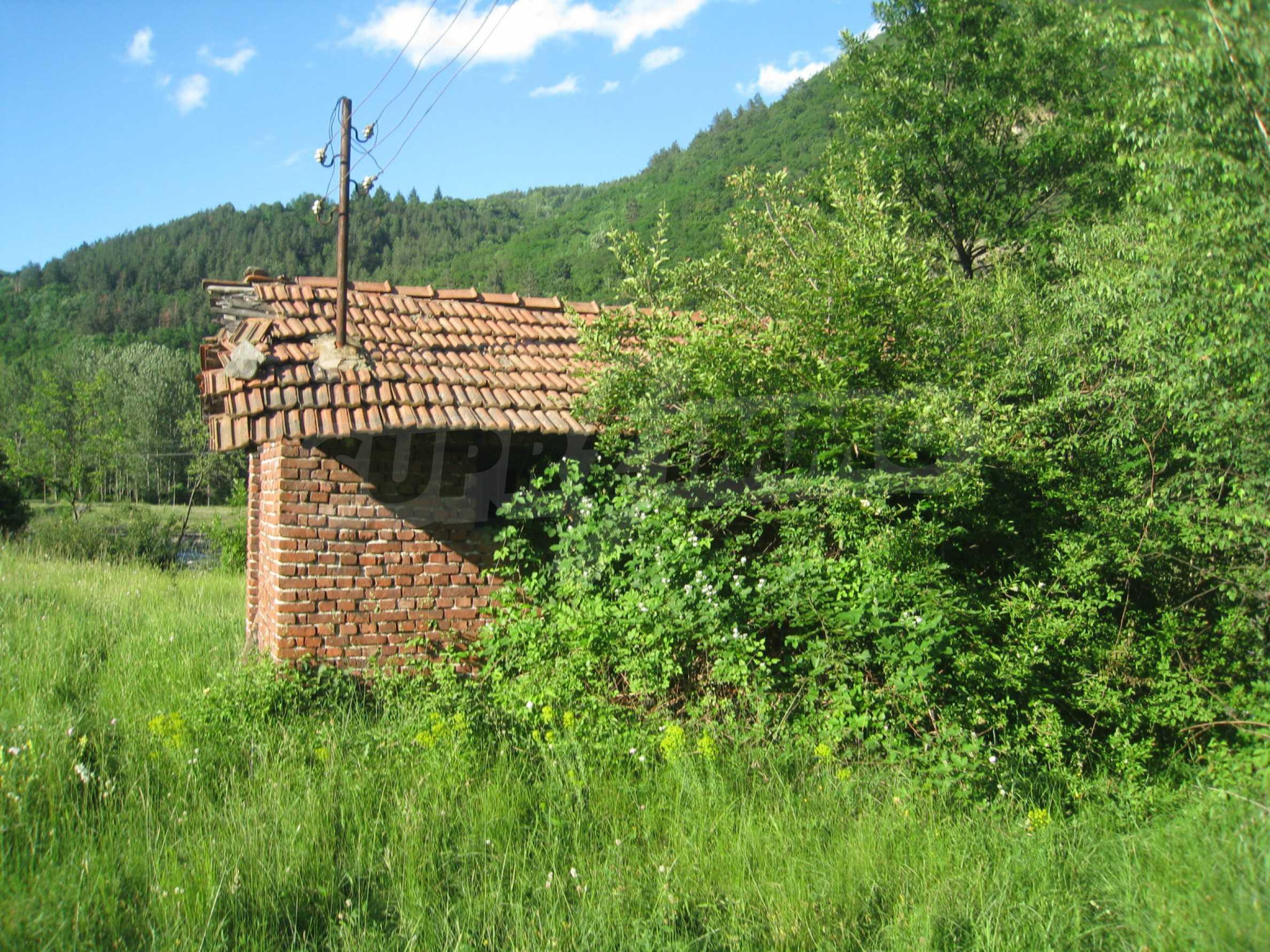 Geregeltes Grundstück in der Nähe der Flüsse Iskar und Svoge 11