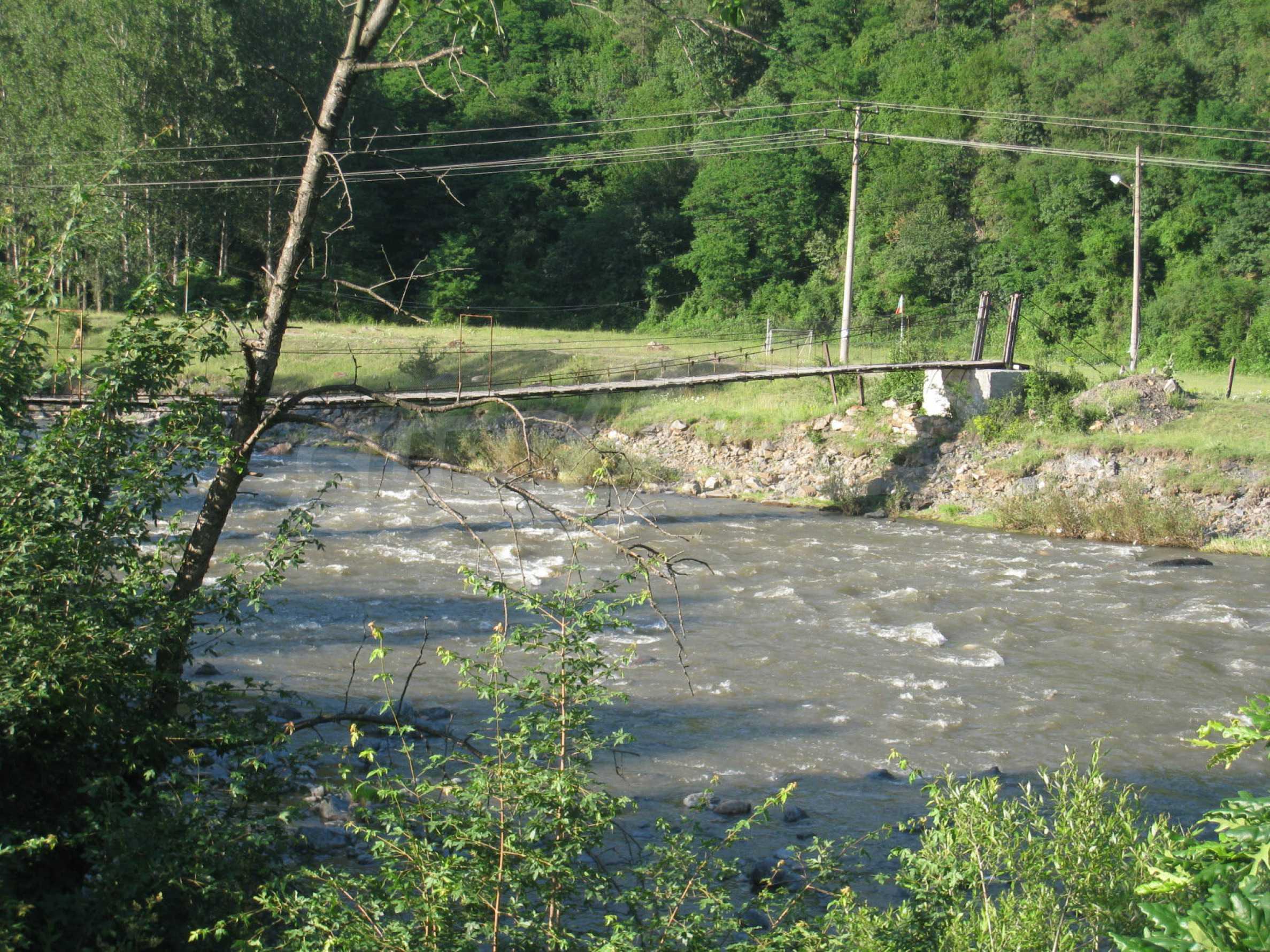 Geregeltes Grundstück in der Nähe der Flüsse Iskar und Svoge 14