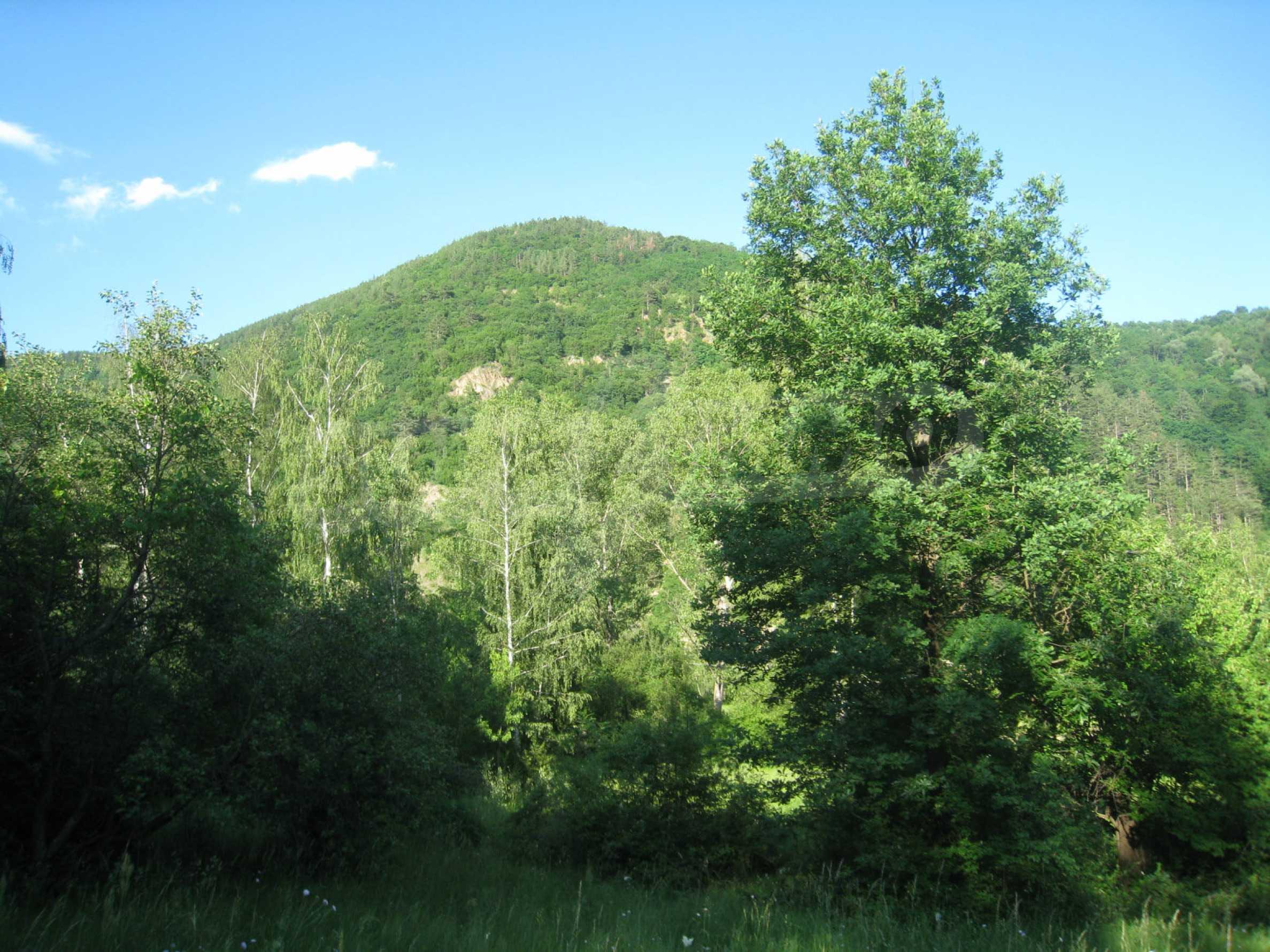 Geregeltes Grundstück in der Nähe der Flüsse Iskar und Svoge 22