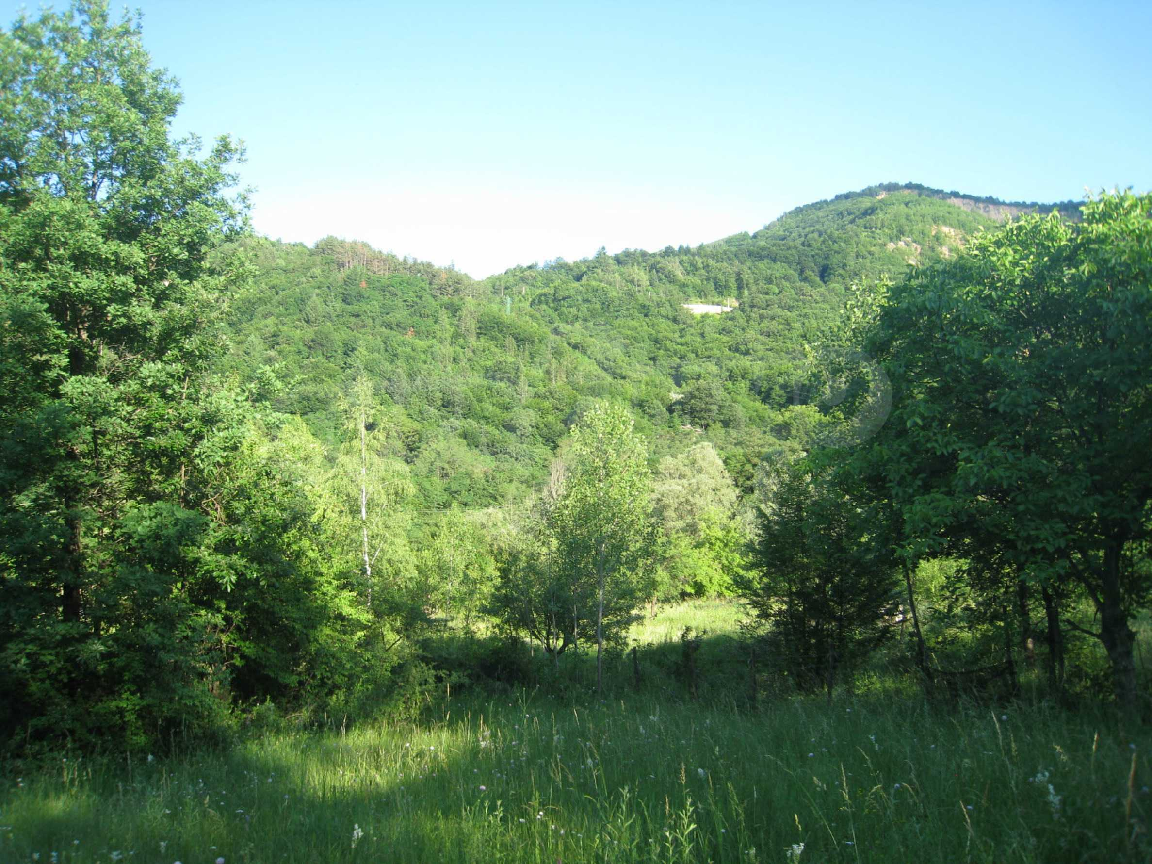 Geregeltes Grundstück in der Nähe der Flüsse Iskar und Svoge 23