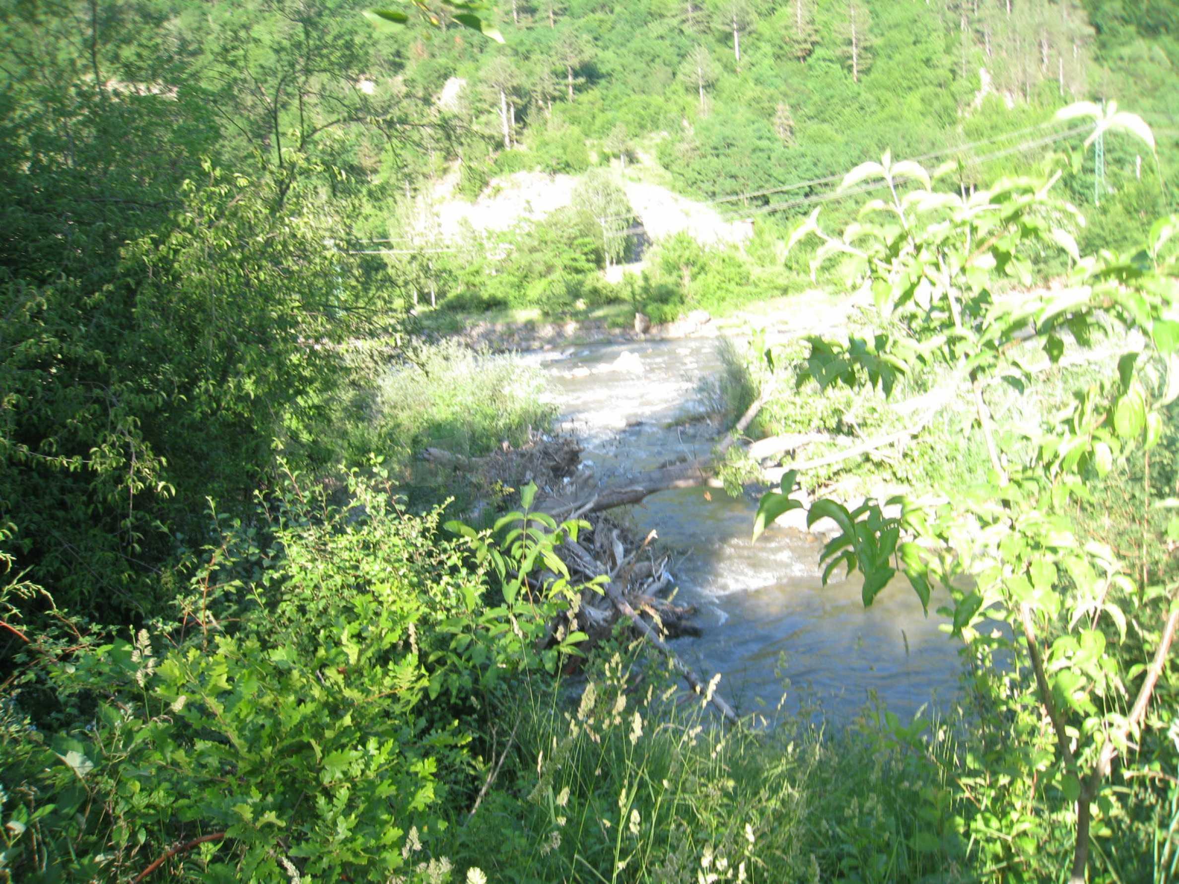 Geregeltes Grundstück in der Nähe der Flüsse Iskar und Svoge 5