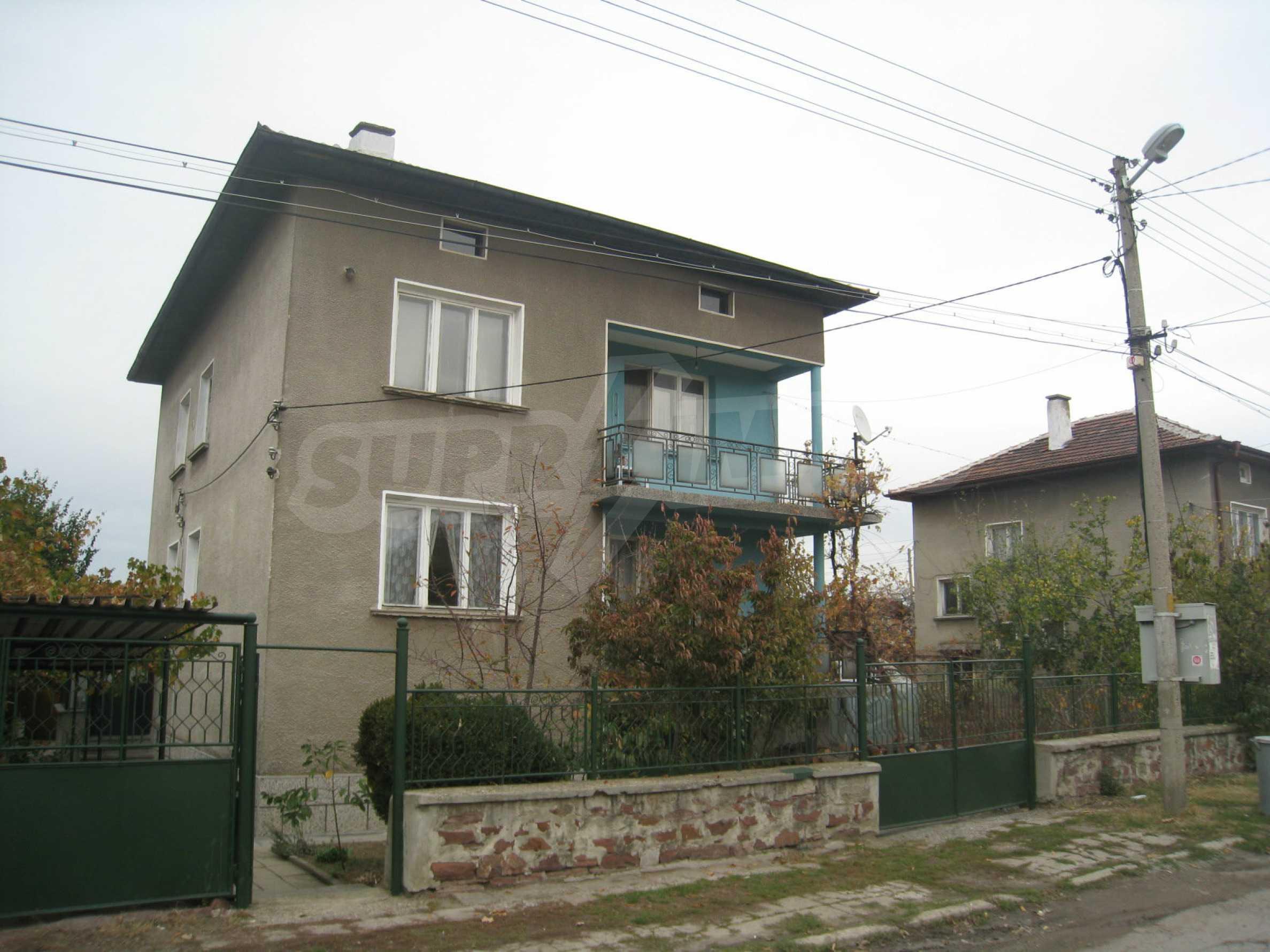Großes zweistöckiges Haus mit Hof in einem Dorf in der Nähe von Sofia 66