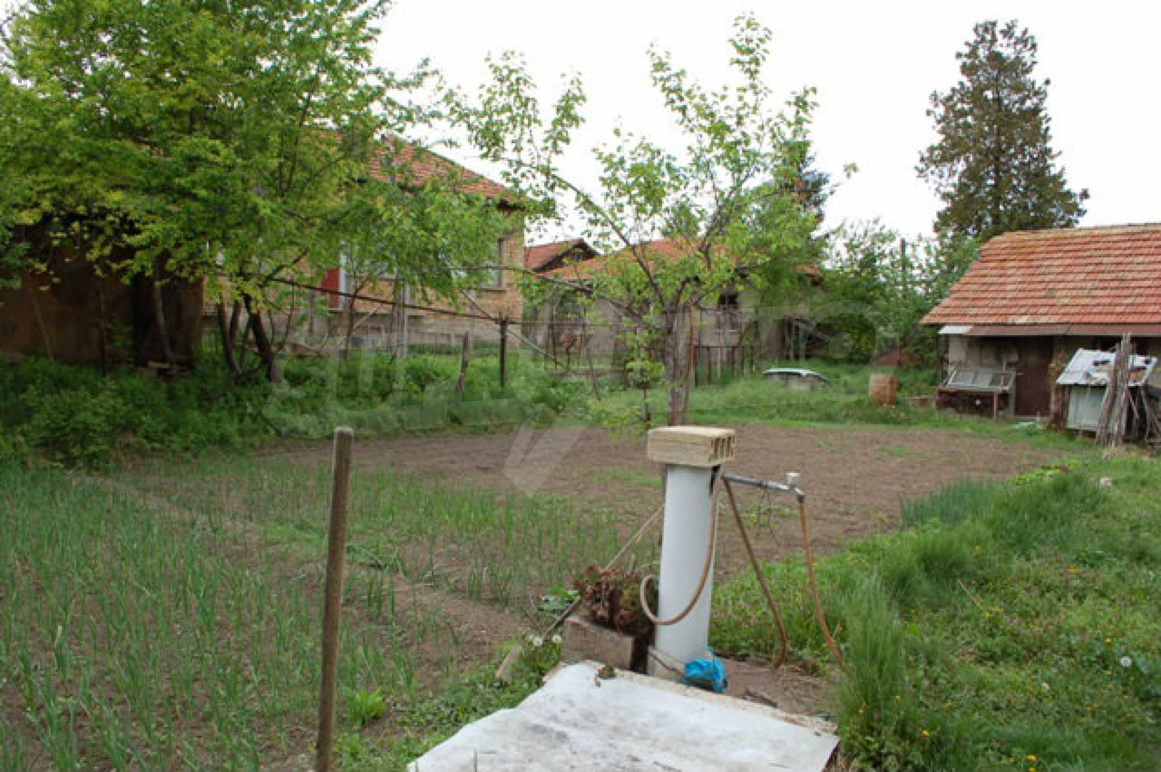 Geregeltes Grundstück nur 14 km. von Veliko Tarnovo 1