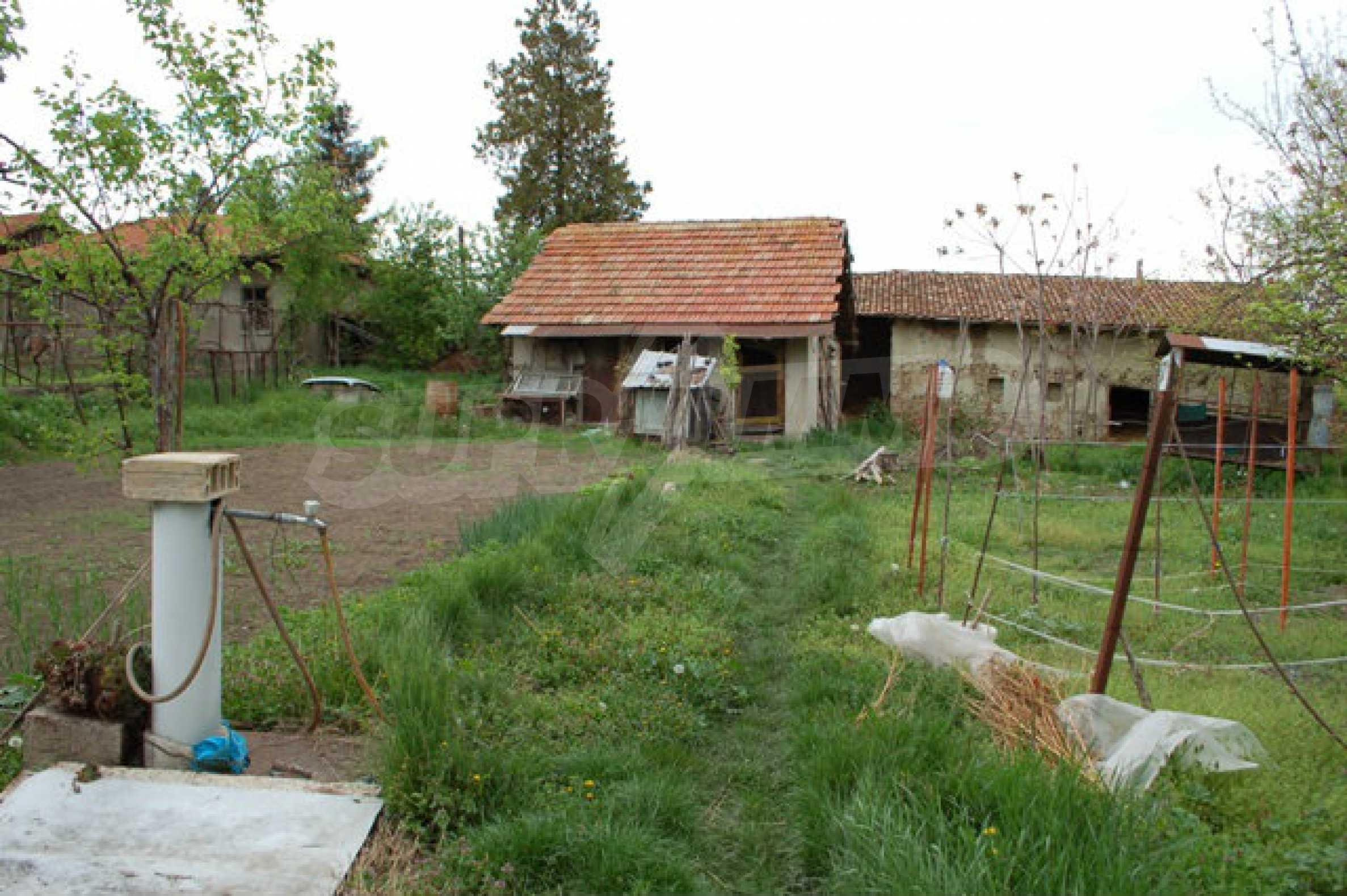 Geregeltes Grundstück nur 14 km. von Veliko Tarnovo 2