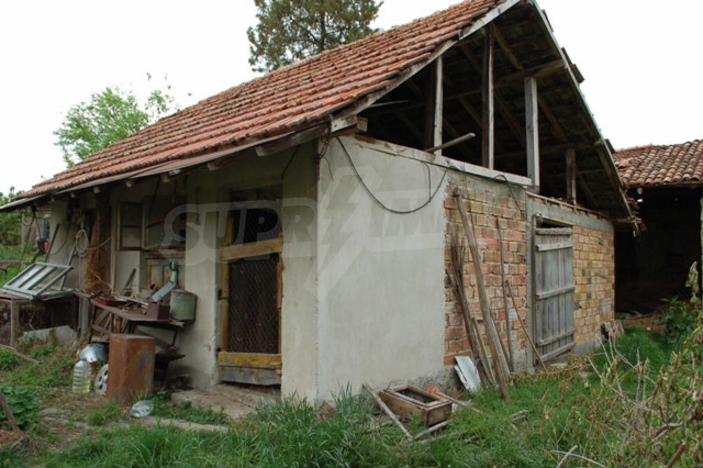 Geregeltes Grundstück nur 14 km. von Veliko Tarnovo 3