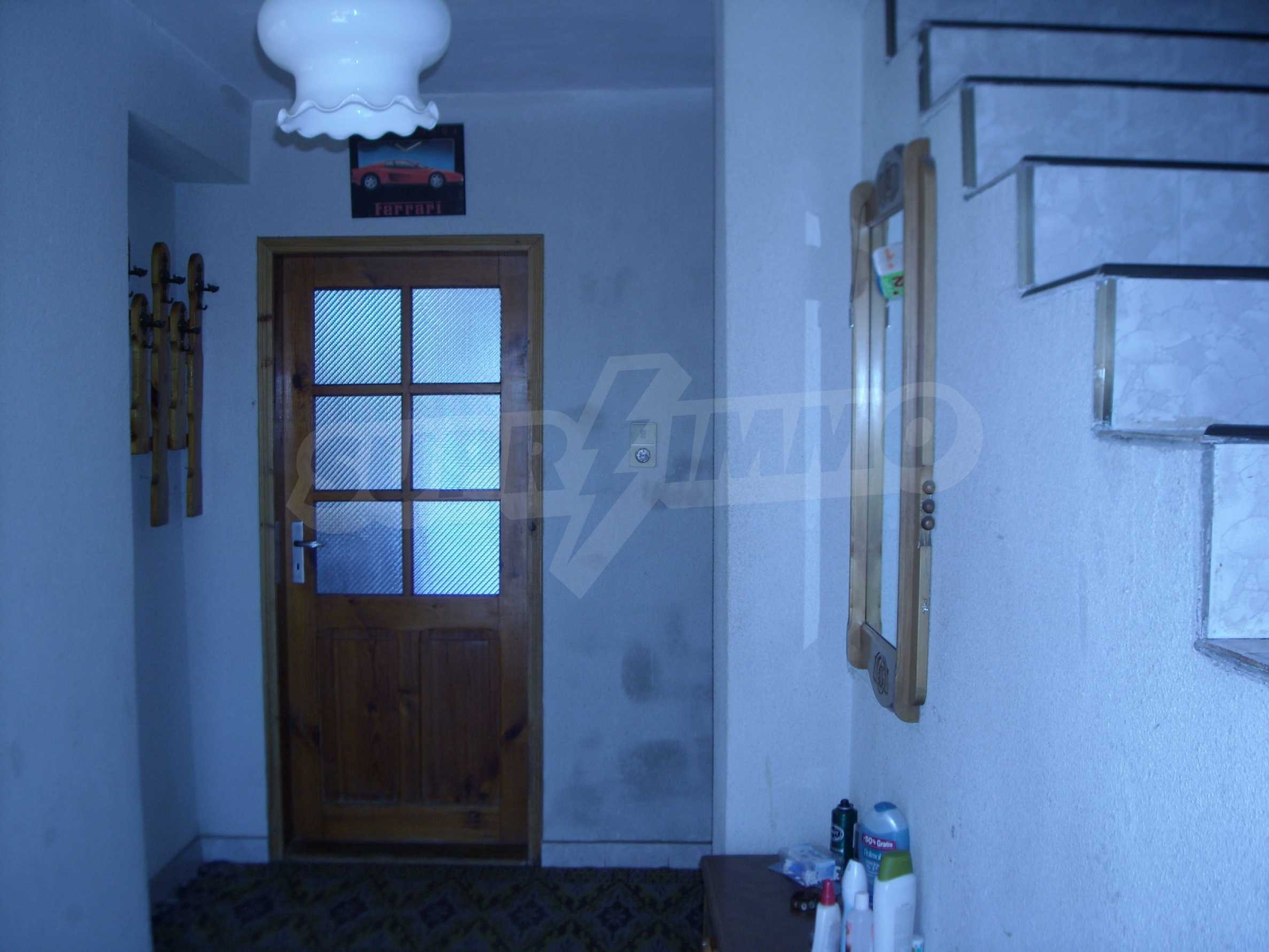 Nice big house in a village very close to the town of Dobrich 10