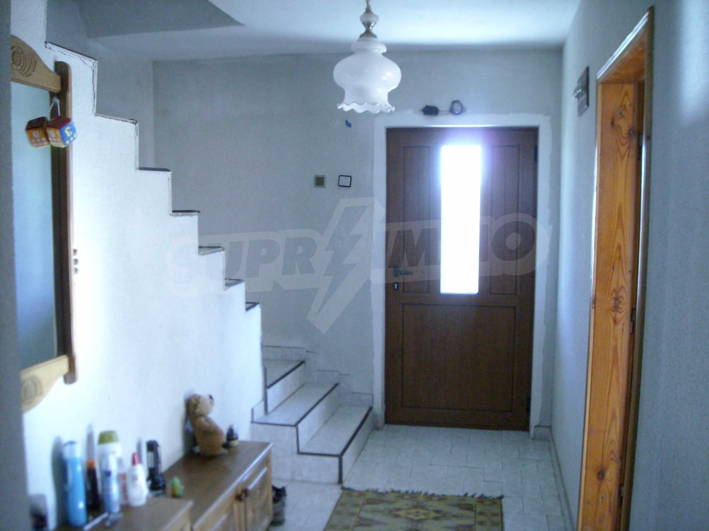 Nice big house in a village very close to the town of Dobrich 14