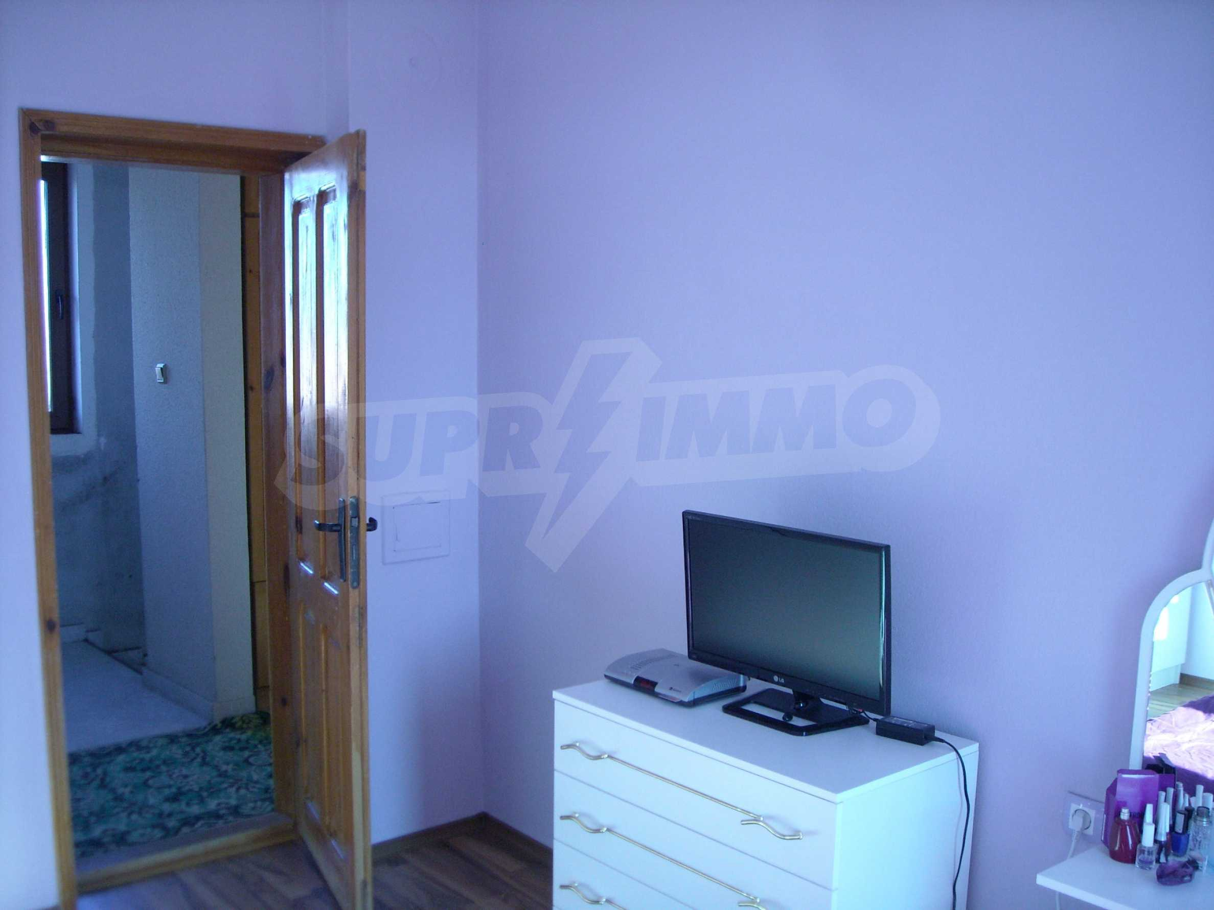 Nice big house in a village very close to the town of Dobrich 28