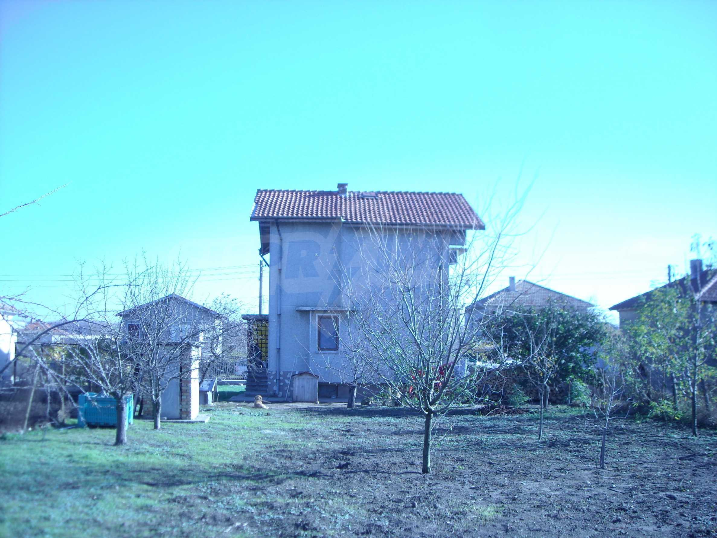 Nice big house in a village very close to the town of Dobrich 4