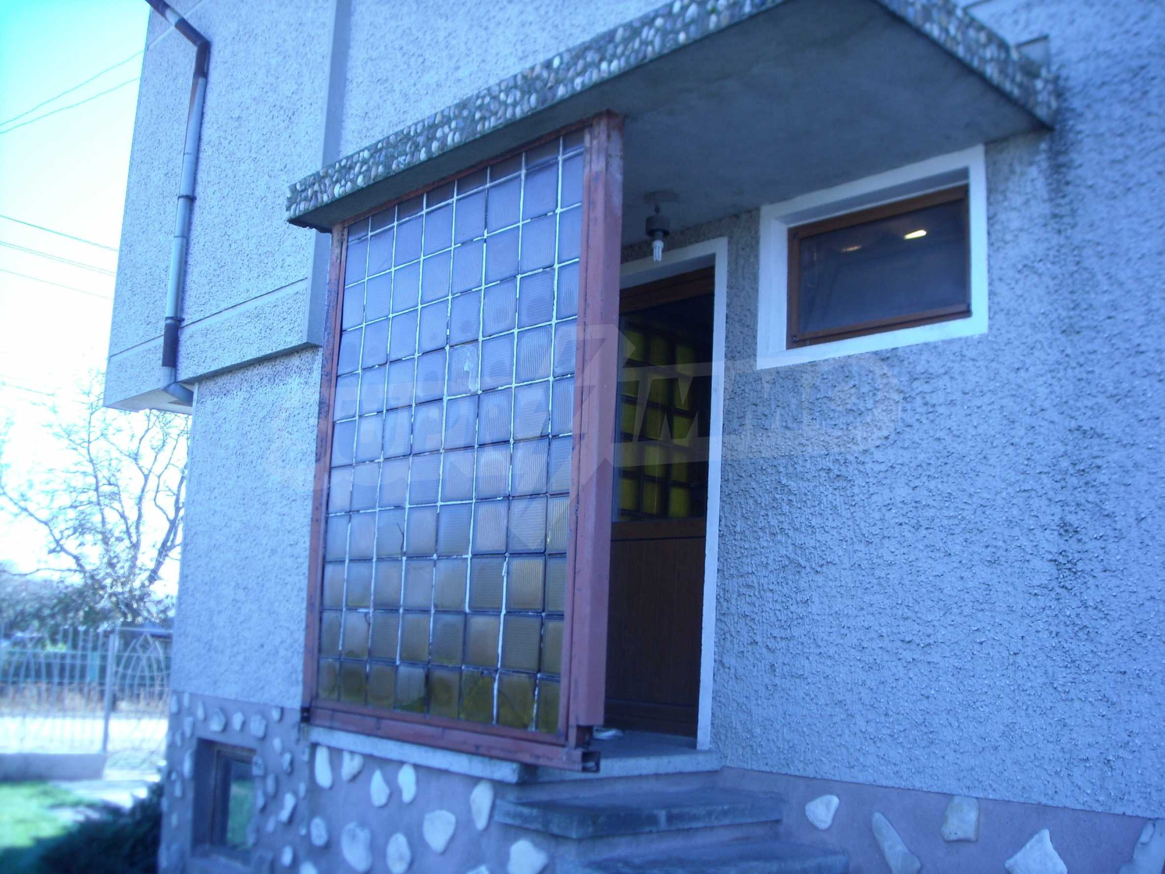 Nice big house in a village very close to the town of Dobrich 7