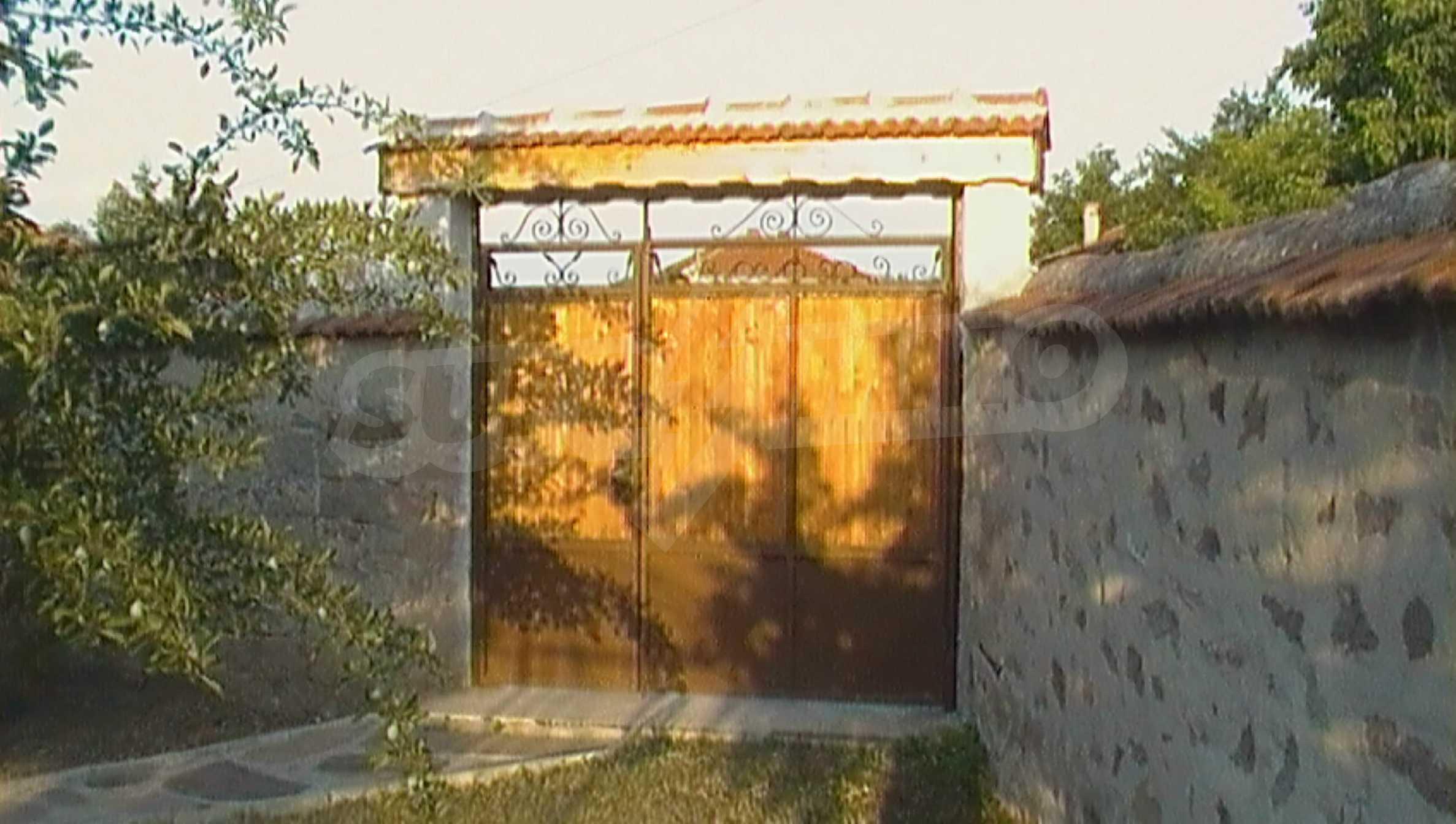 Ein solides zweistöckiges Haus in einem ruhigen Dorf in der Nähe von Kurort und Haskovo 22