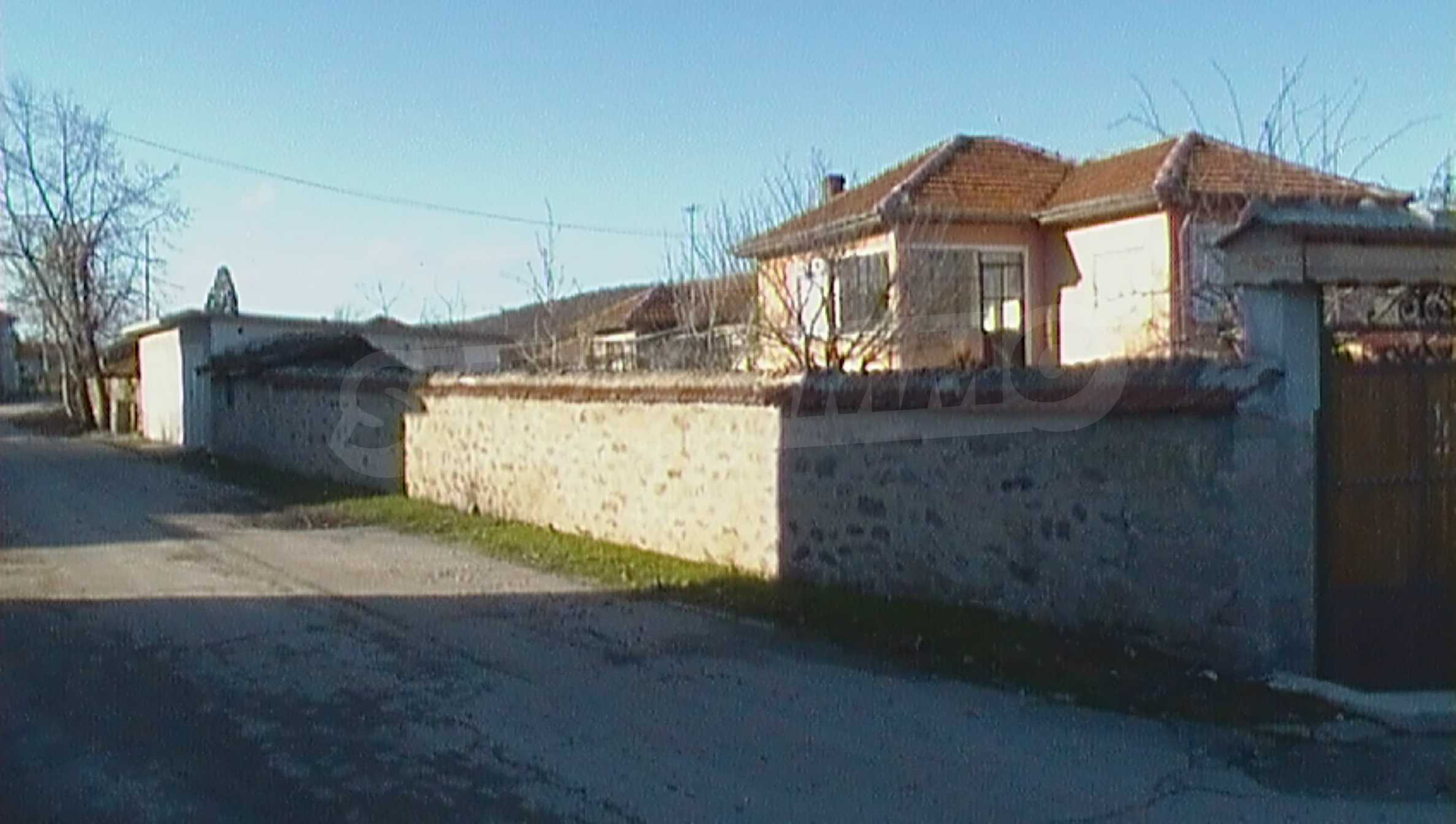 Solid 2-storey house in quiet village near Haskovo and spa resort 24