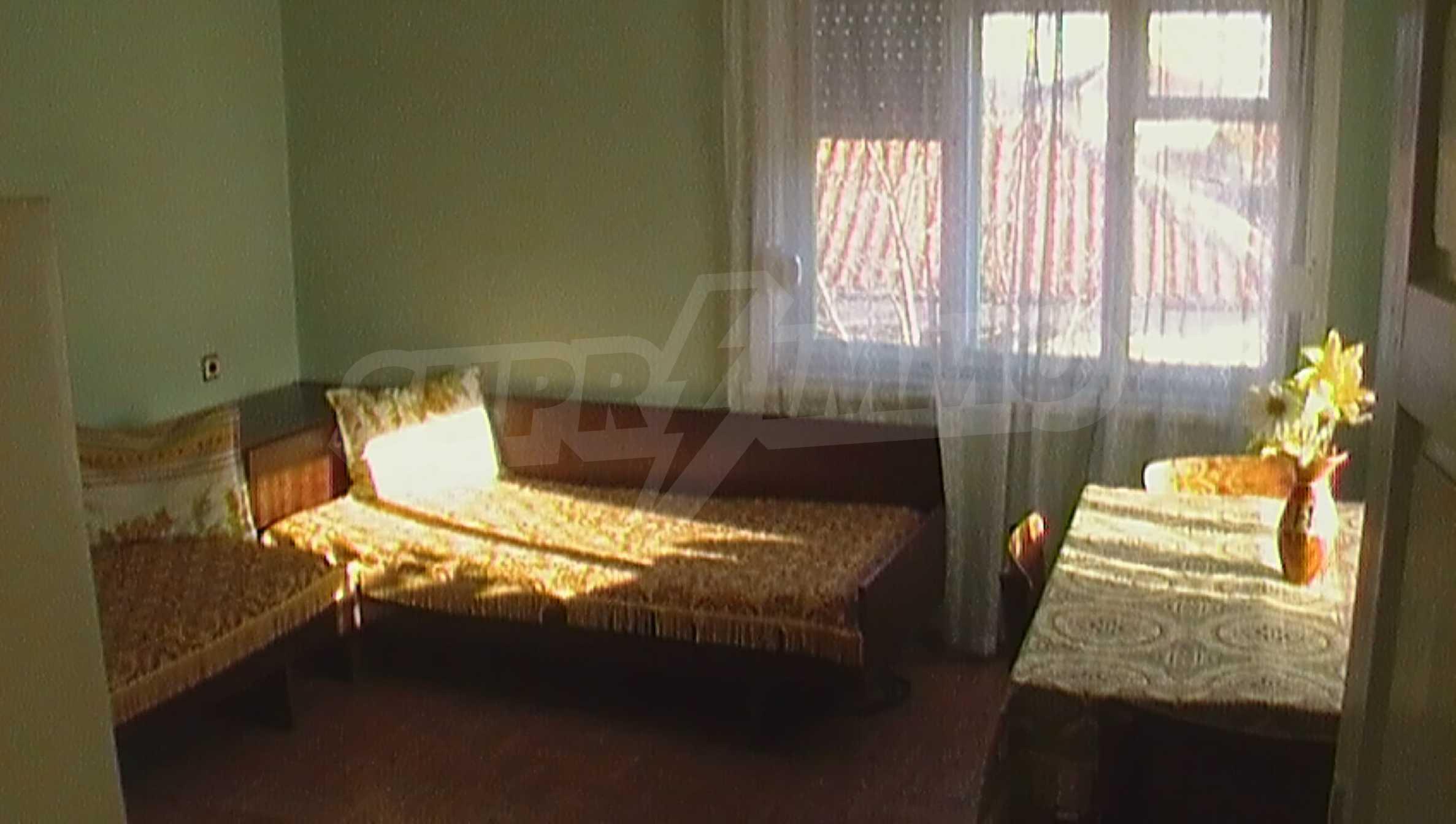 Ein solides zweistöckiges Haus in einem ruhigen Dorf in der Nähe von Kurort und Haskovo 8