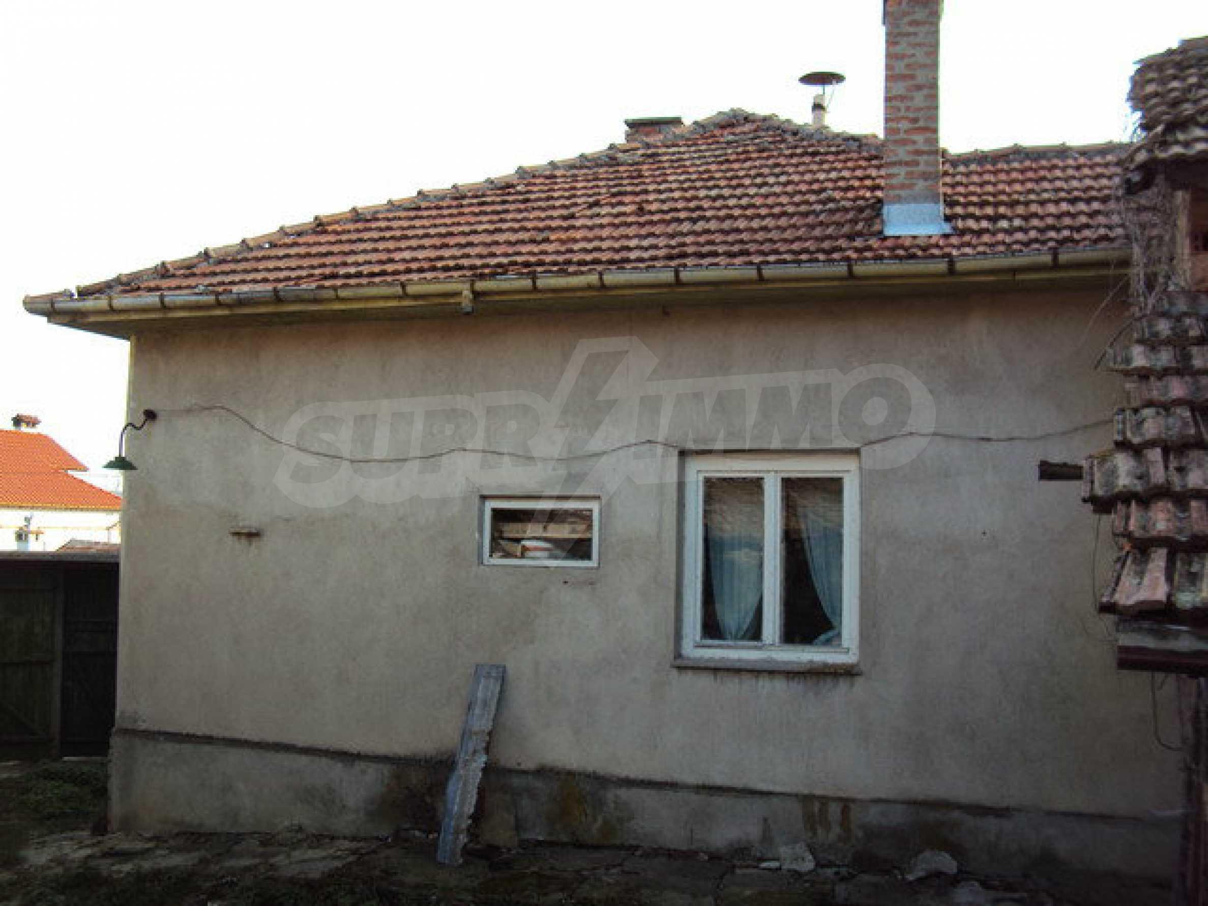 Massives zweistöckiges Haus in einem Dorf 40 km. von Veliko Tarnovo 7