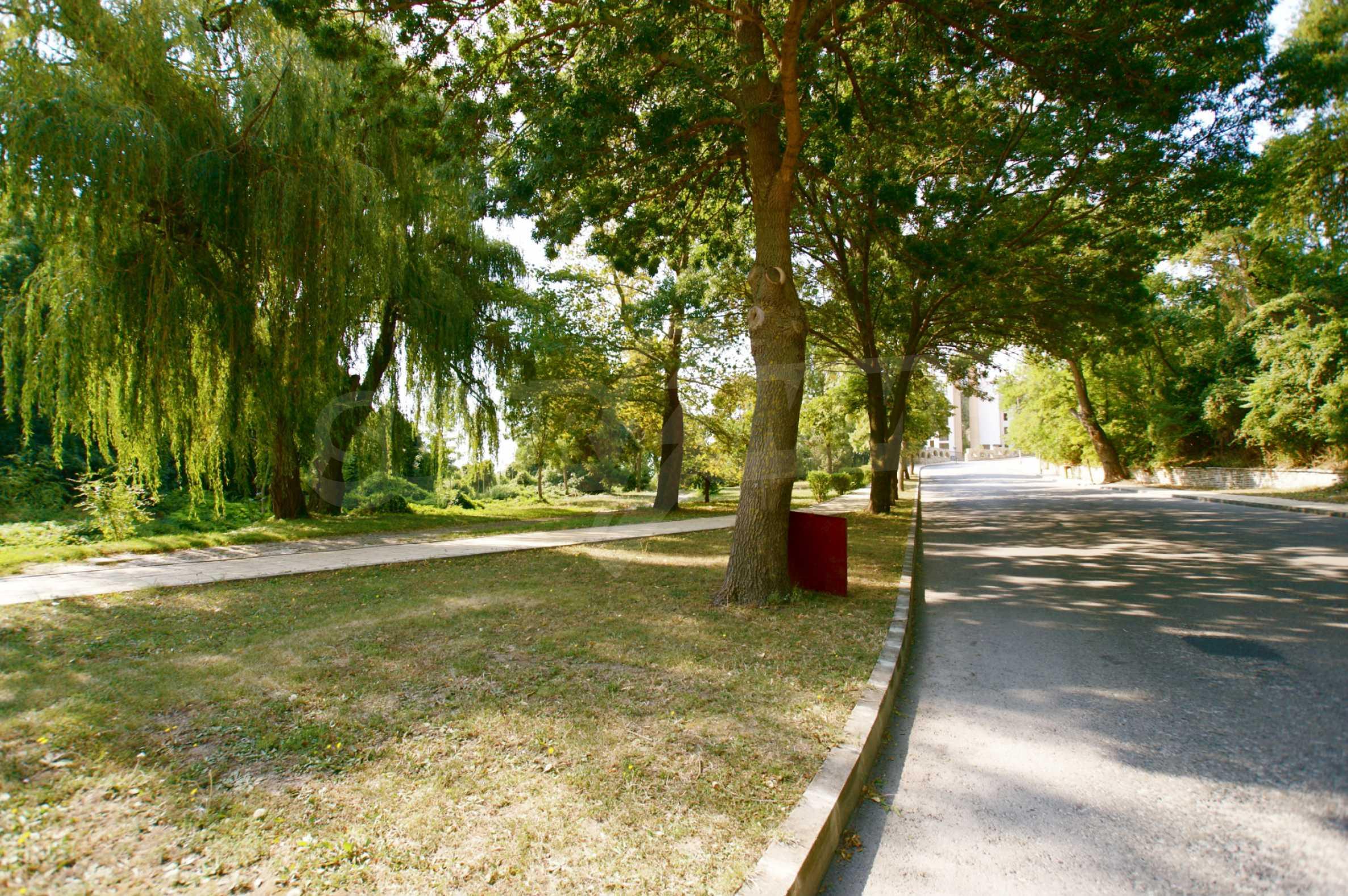 Regina View 24