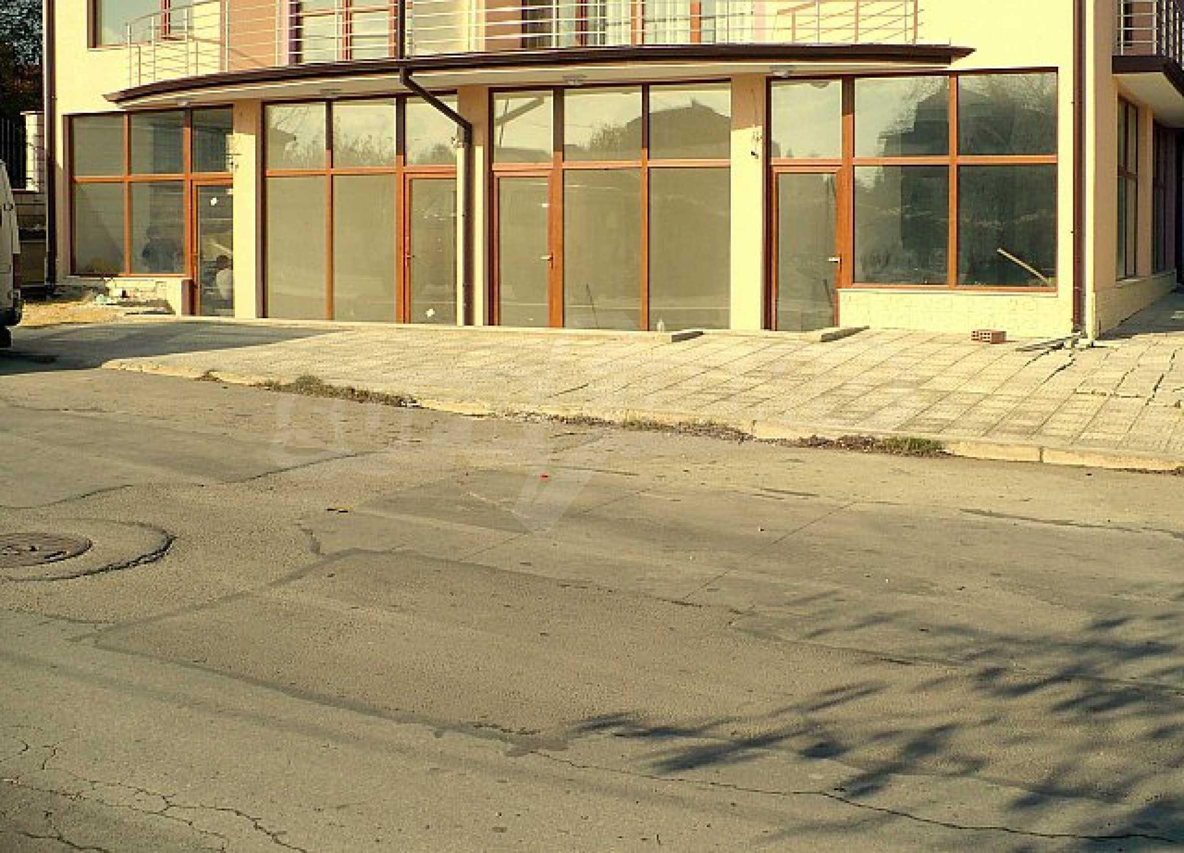"""Großer Laden in St.St. St. Konstantin und Helena """""""