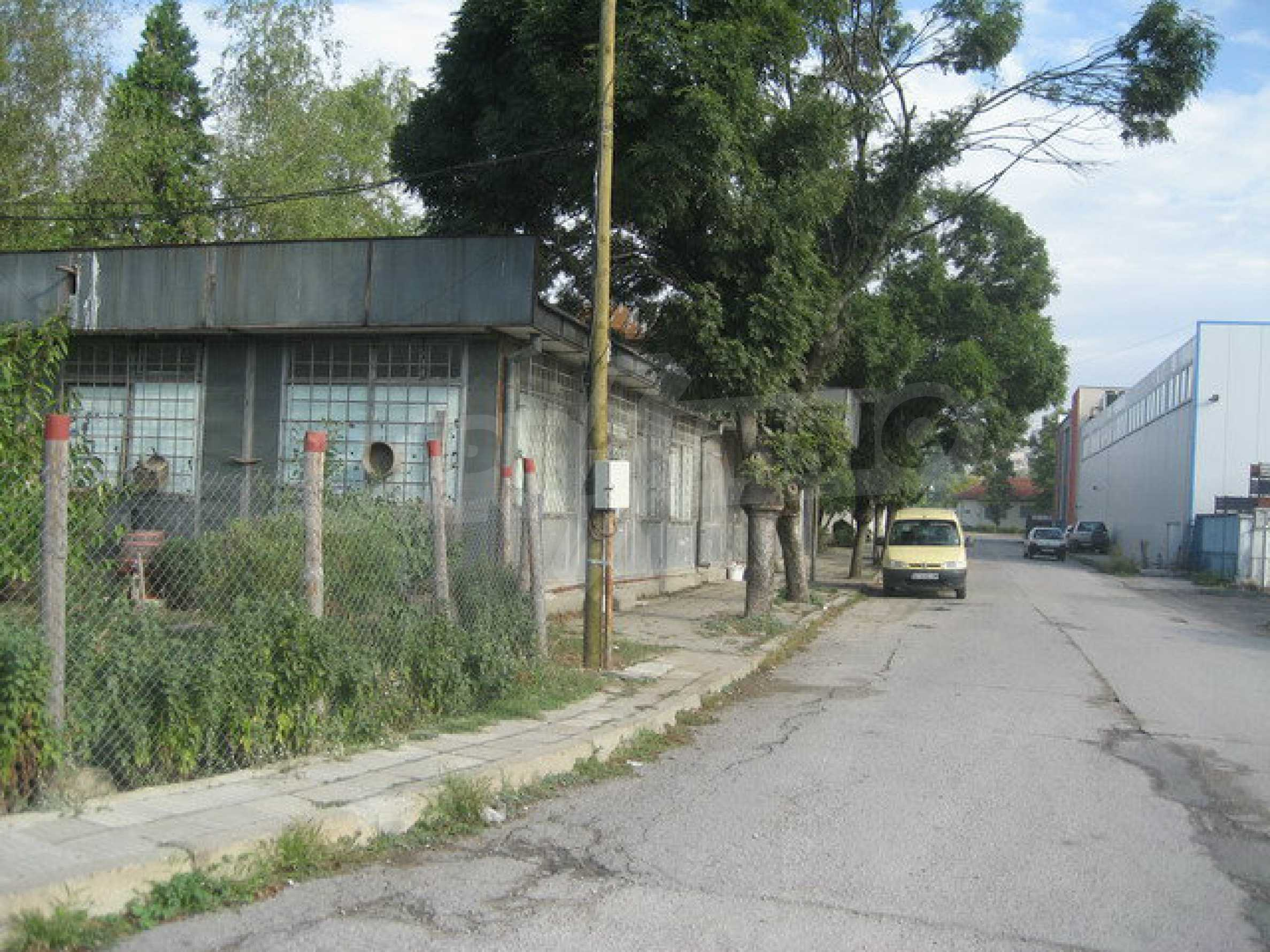Land with buildings in the industrial area of Veliko Tarnovo 5