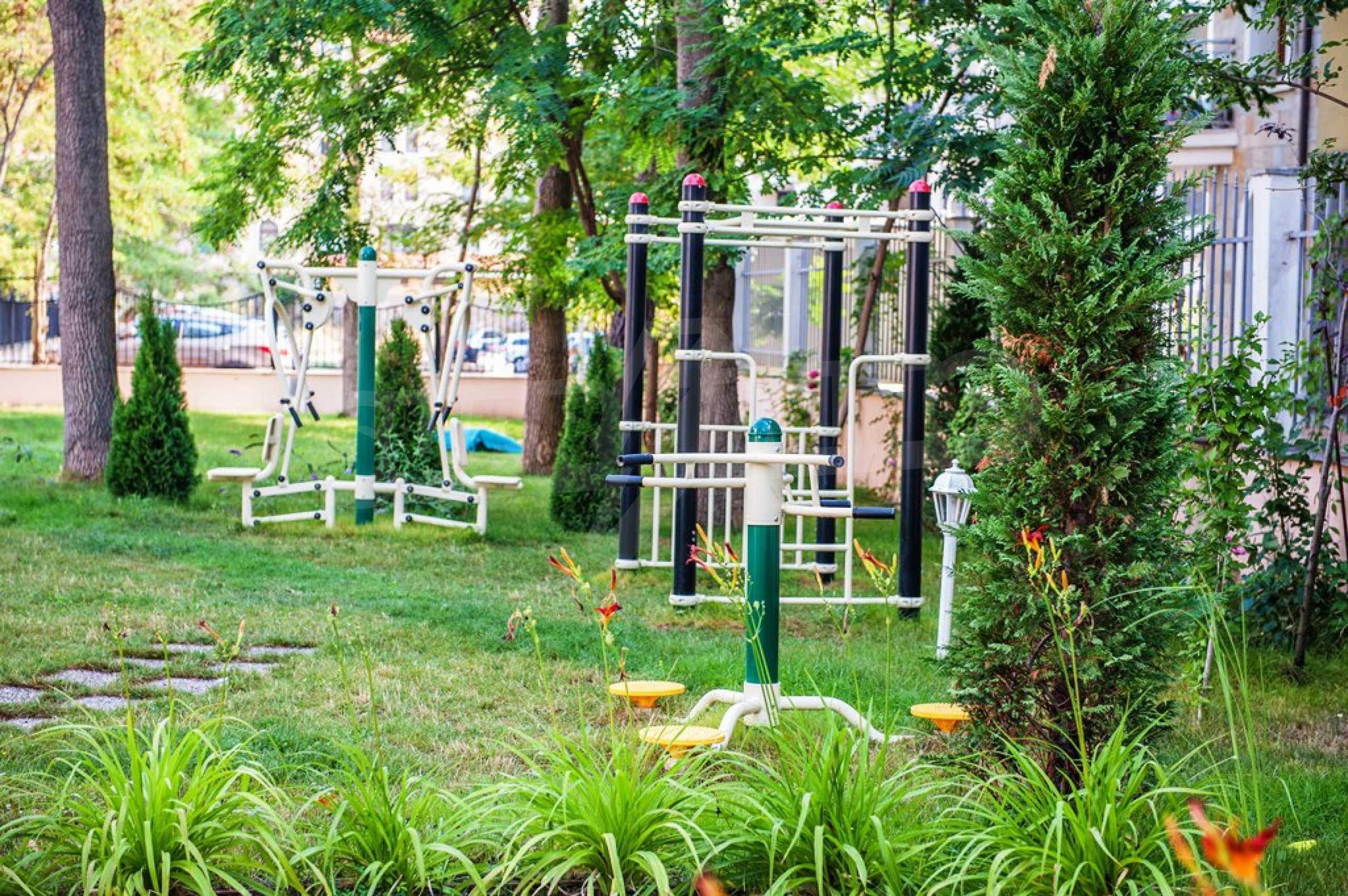 Dawn Park Royal Venera Palace 10