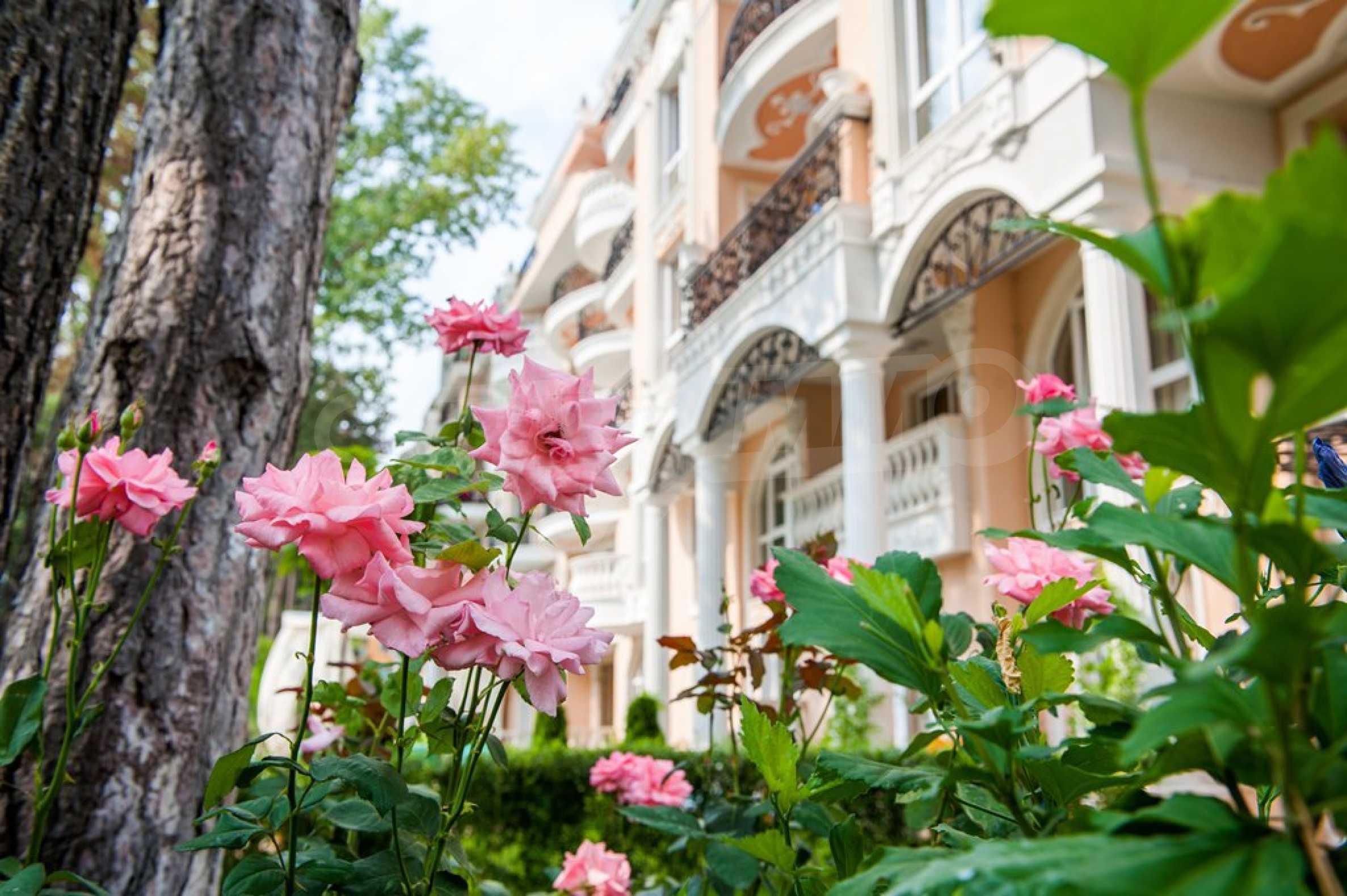 Dawn Park Royal Venera Palace 13