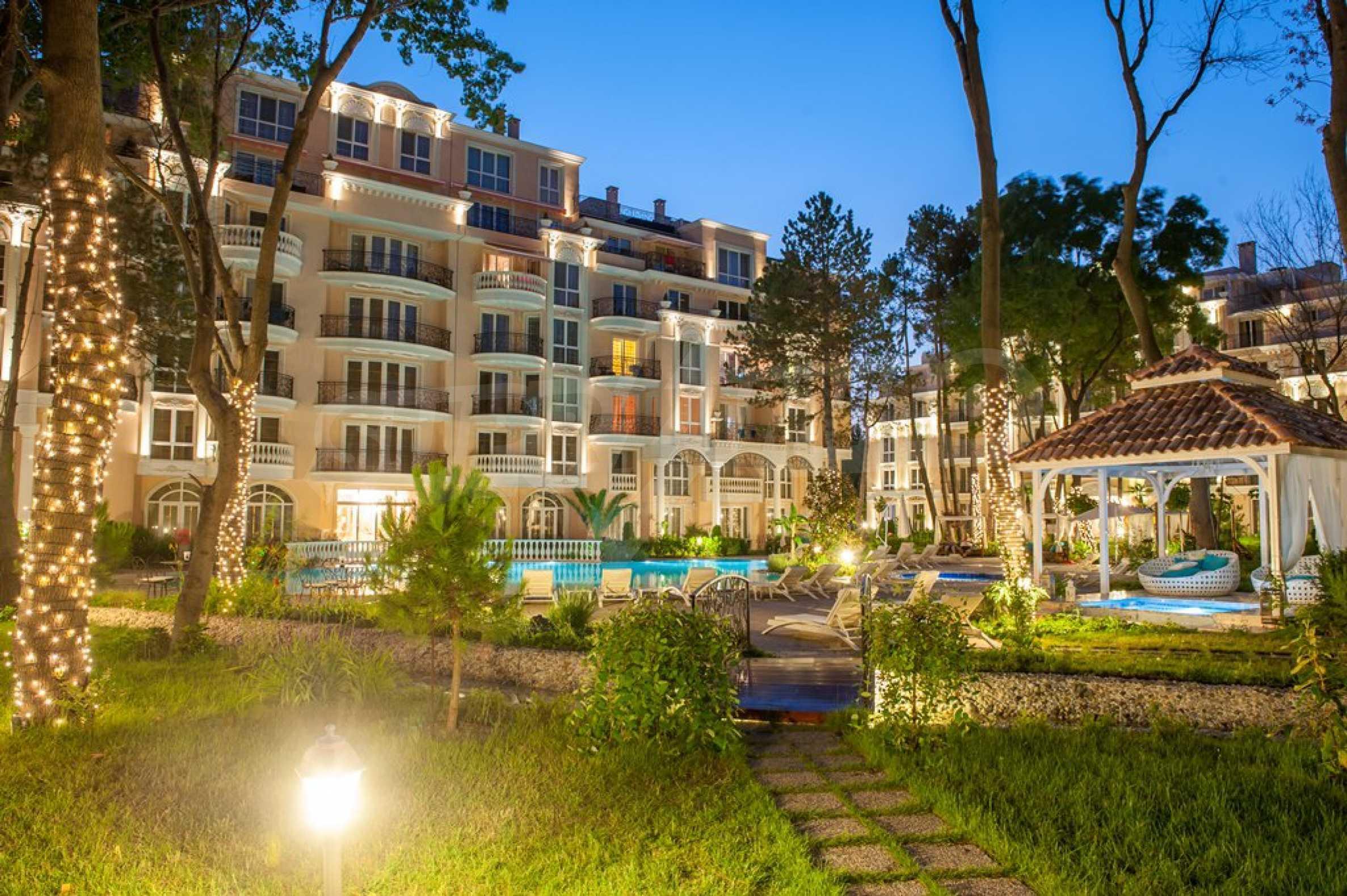 Dawn Park Royal Venera Palace 20