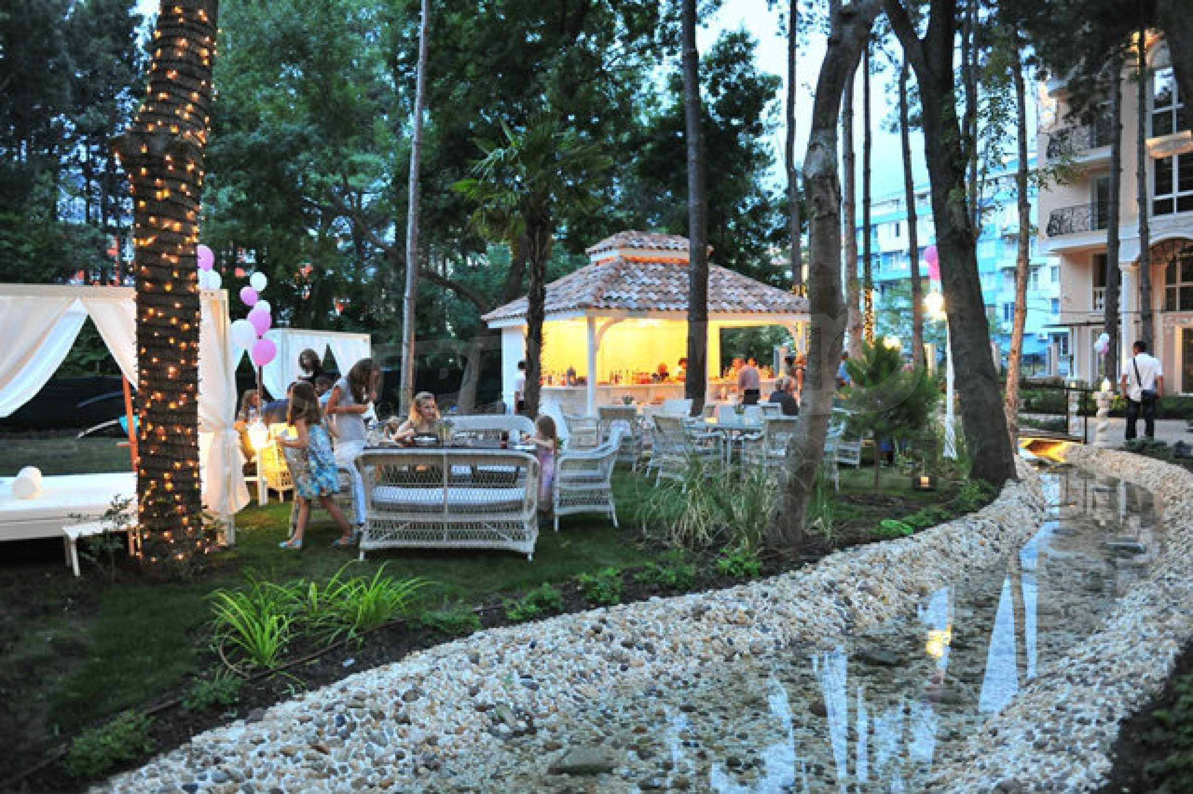 Dawn Park Royal Venera Palace 38