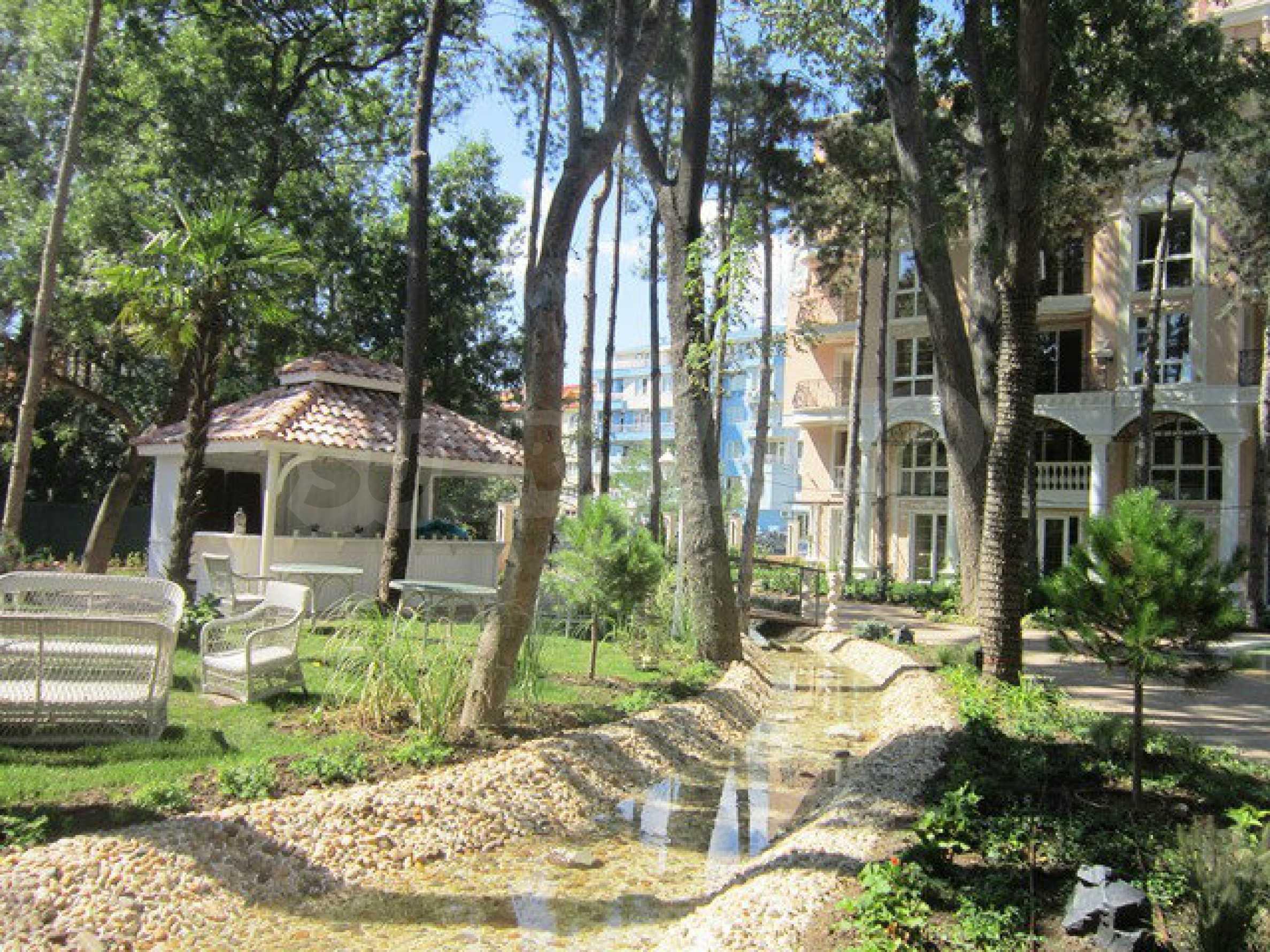 Dawn Park Royal Venera Palace 55