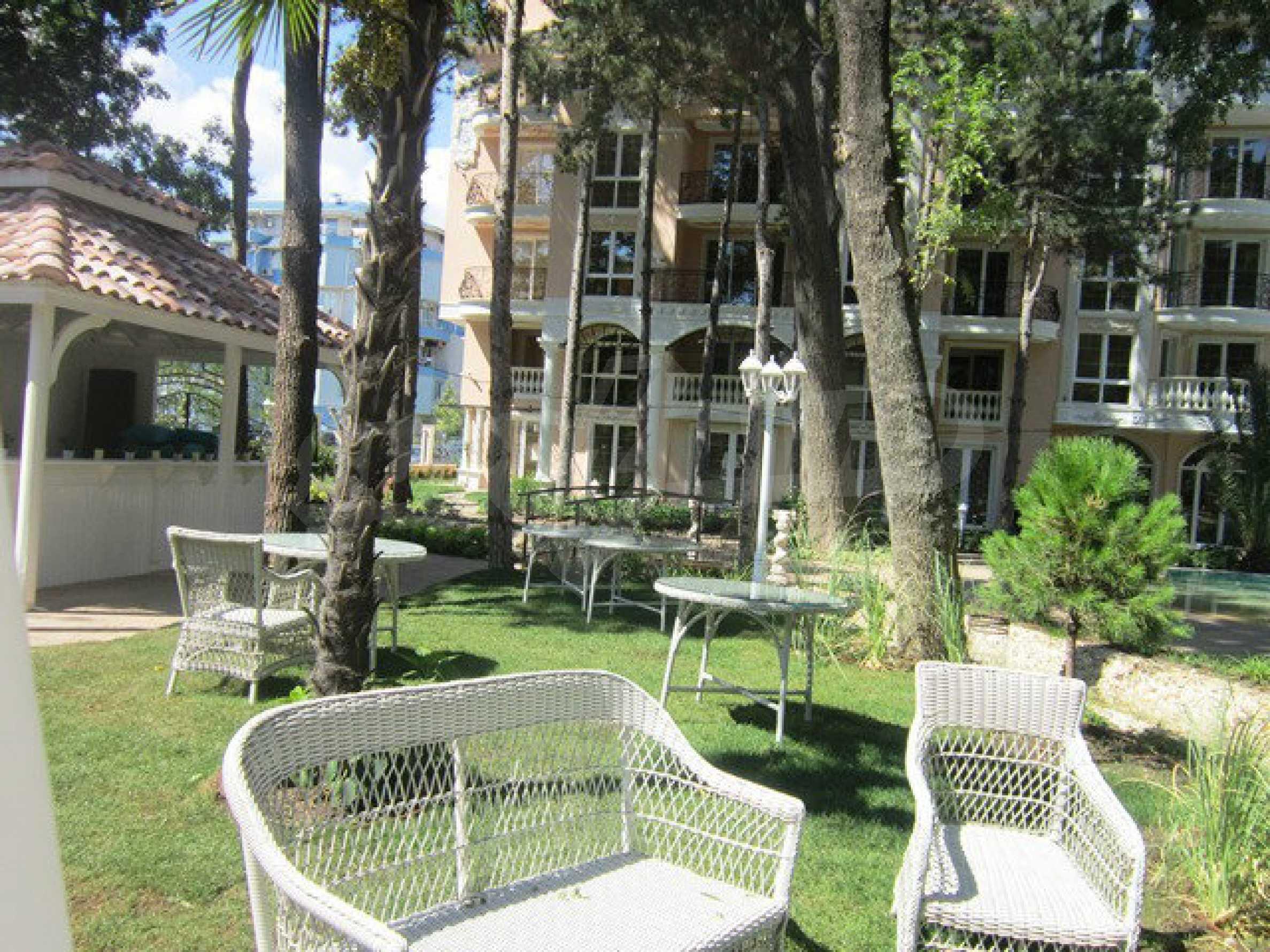 Dawn Park Royal Venera Palace 57