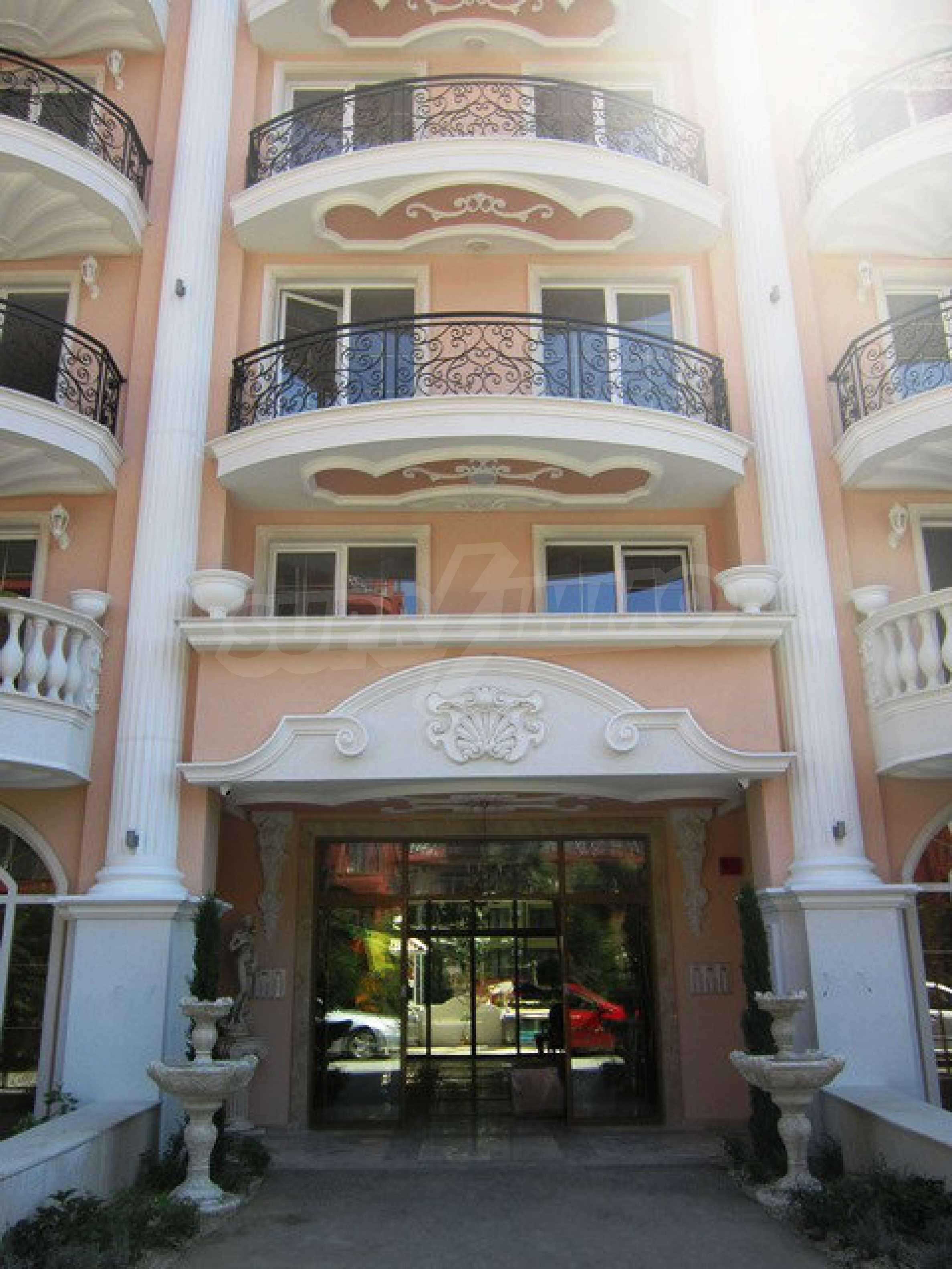 Dawn Park Royal Venera Palace 60
