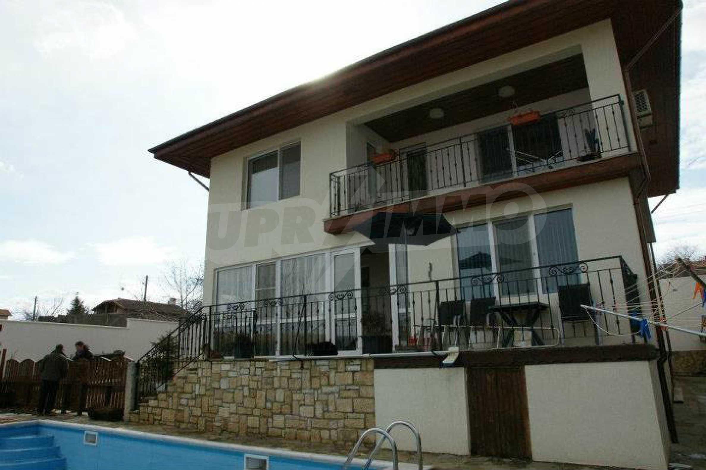 Zweistöckiges Haus mit Pool und Meerblick in der Nähe von Varna 31